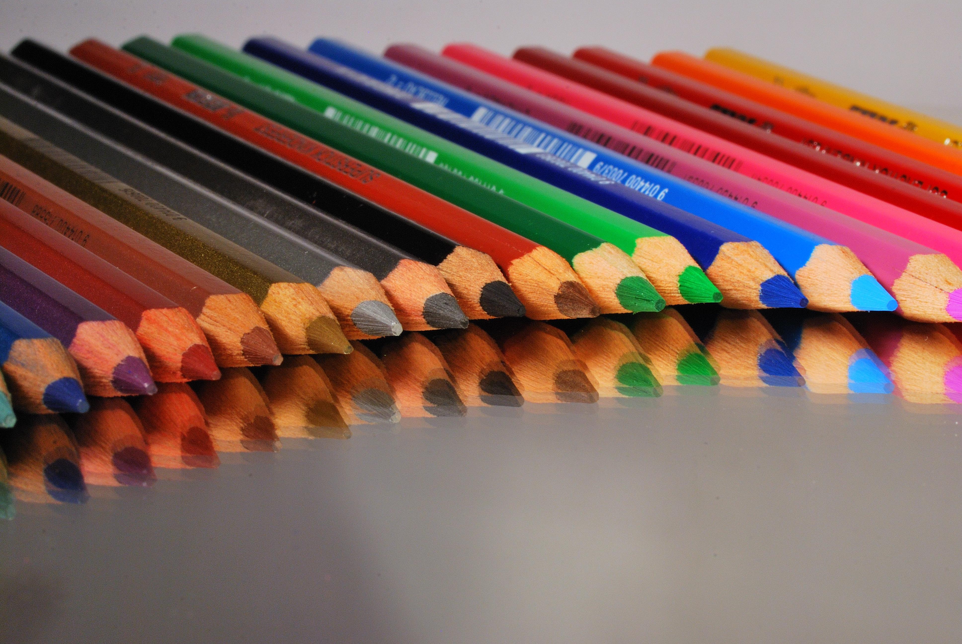 78 Gambar Abstrak Dengan Crayon Paling Bagus