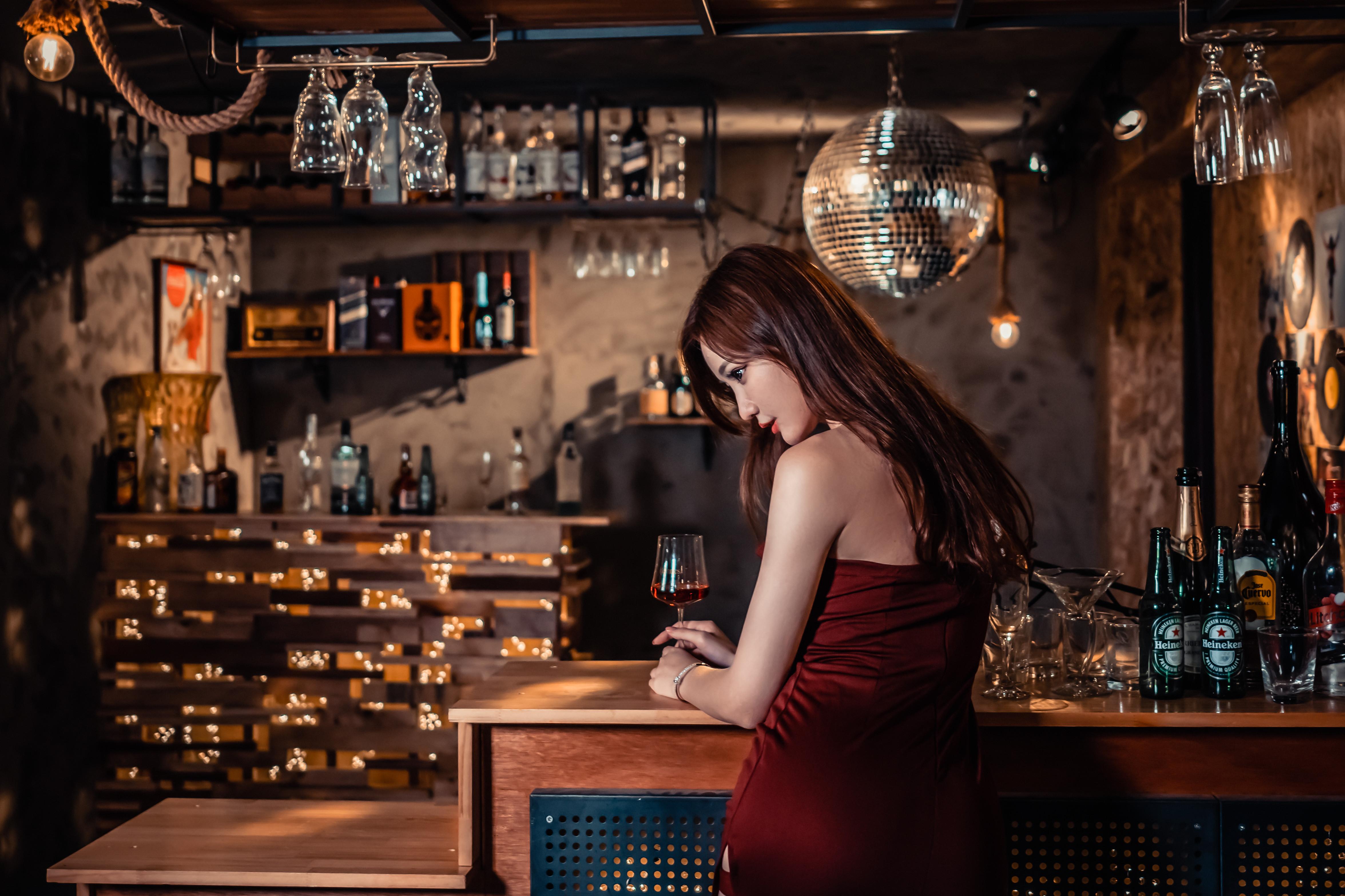 無料画像 アジア人 女の子 女性 壁紙 セクシー モデル 写真 感情 衣類 美しさ 甘味 ポートレート バーテンダー パブ 居酒屋 蒸留飲料 アルコール ドリンク バーウェア リキュール ナイトクラブ 4703x3135 Q 無料写真 Pxhere