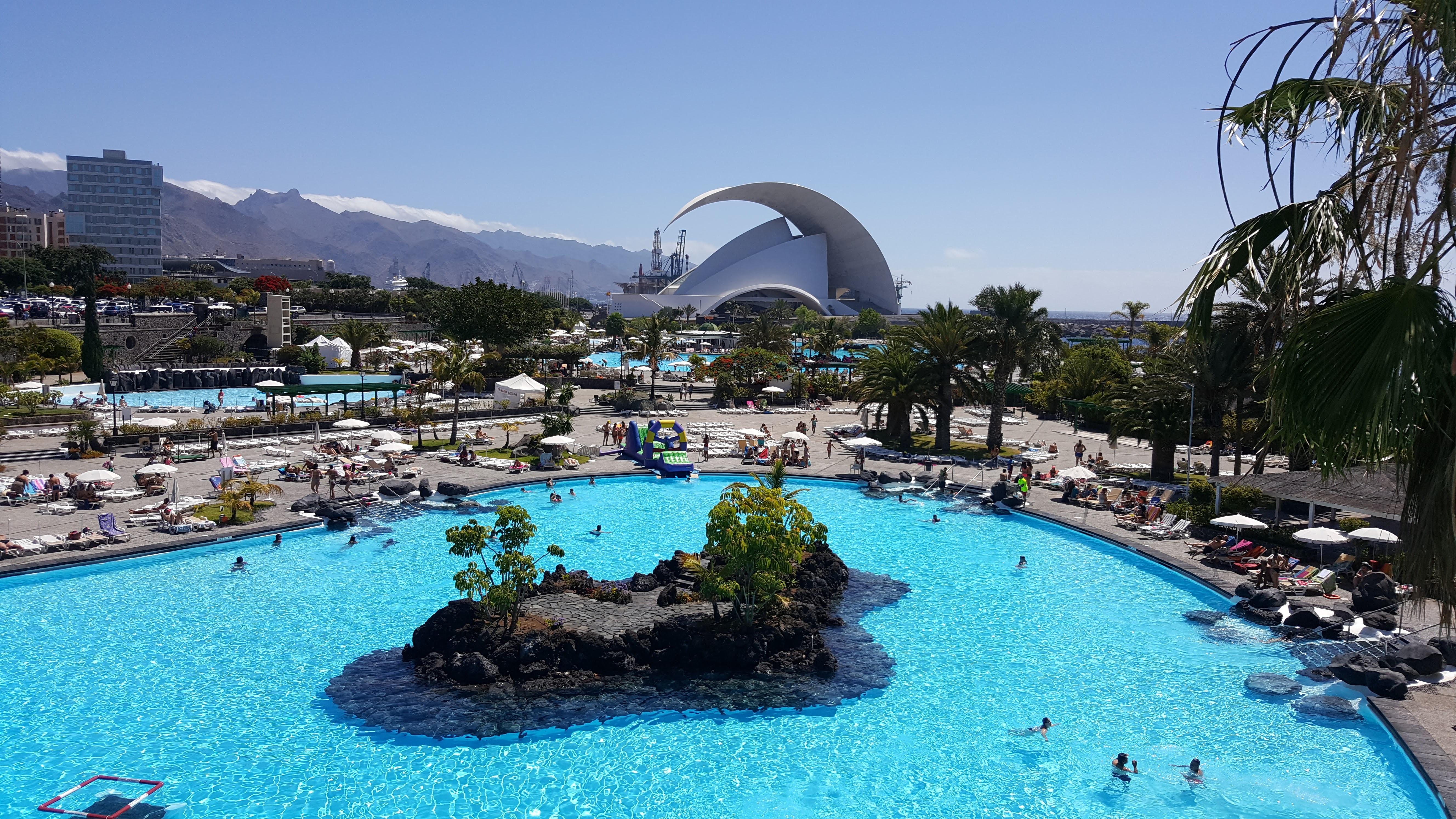 Fotos gratis sala parque de atracciones piscina ocio for Piscina santa cruz de tenerife