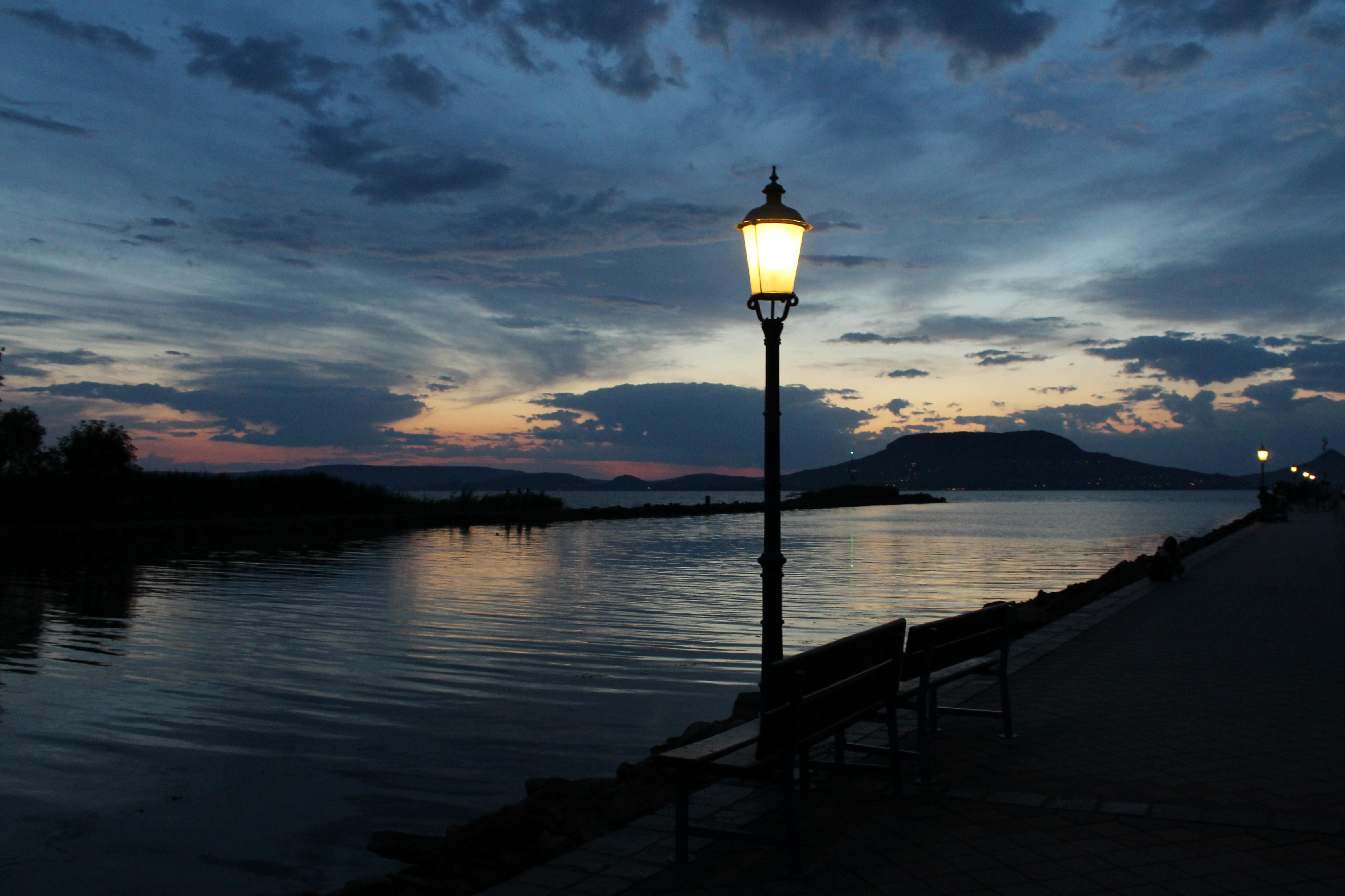 Immagini belle balaton notte cielo lampada lago ungheria