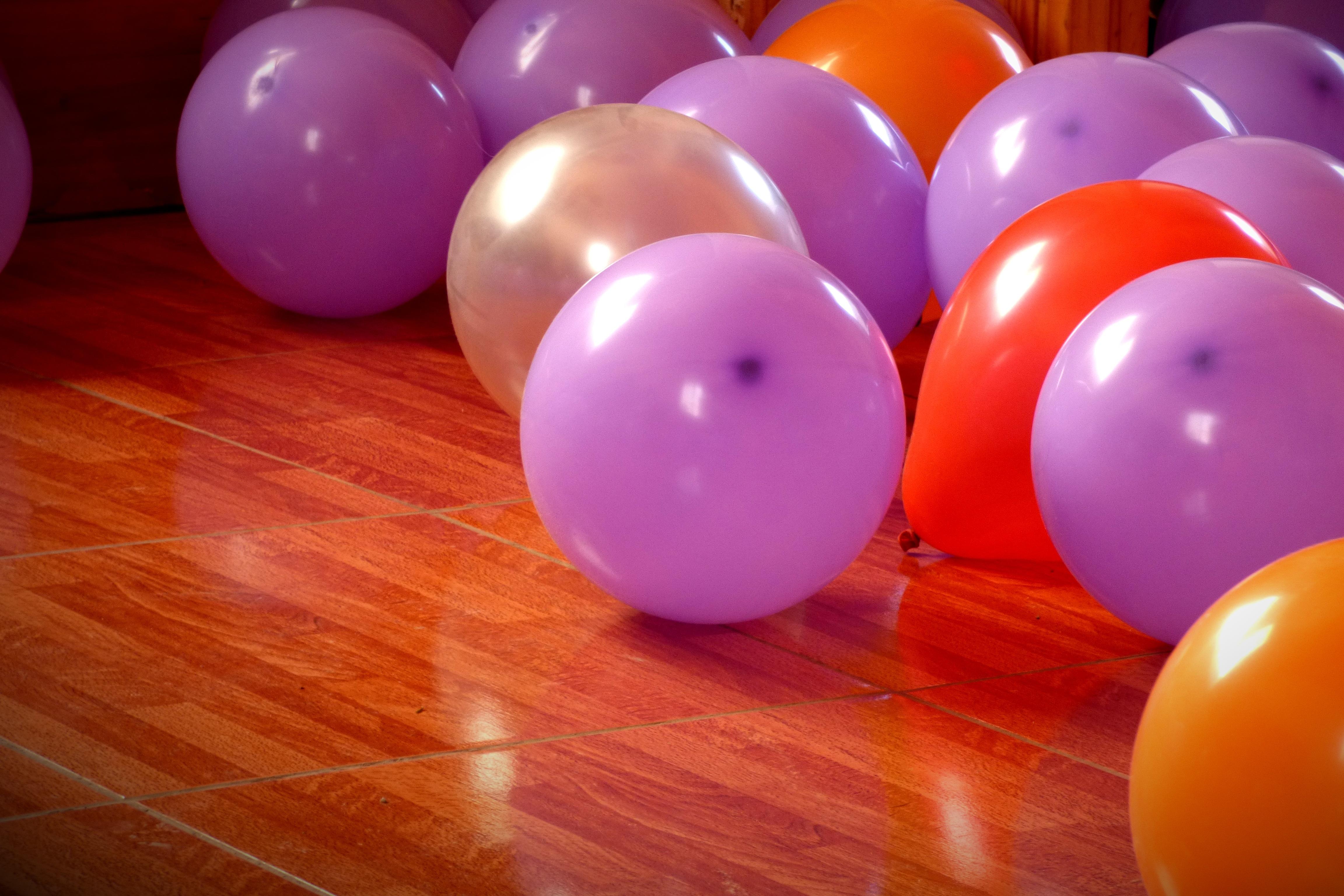 Fotos gratis : globo, color, juguete, colores, Violeta, Globos ...