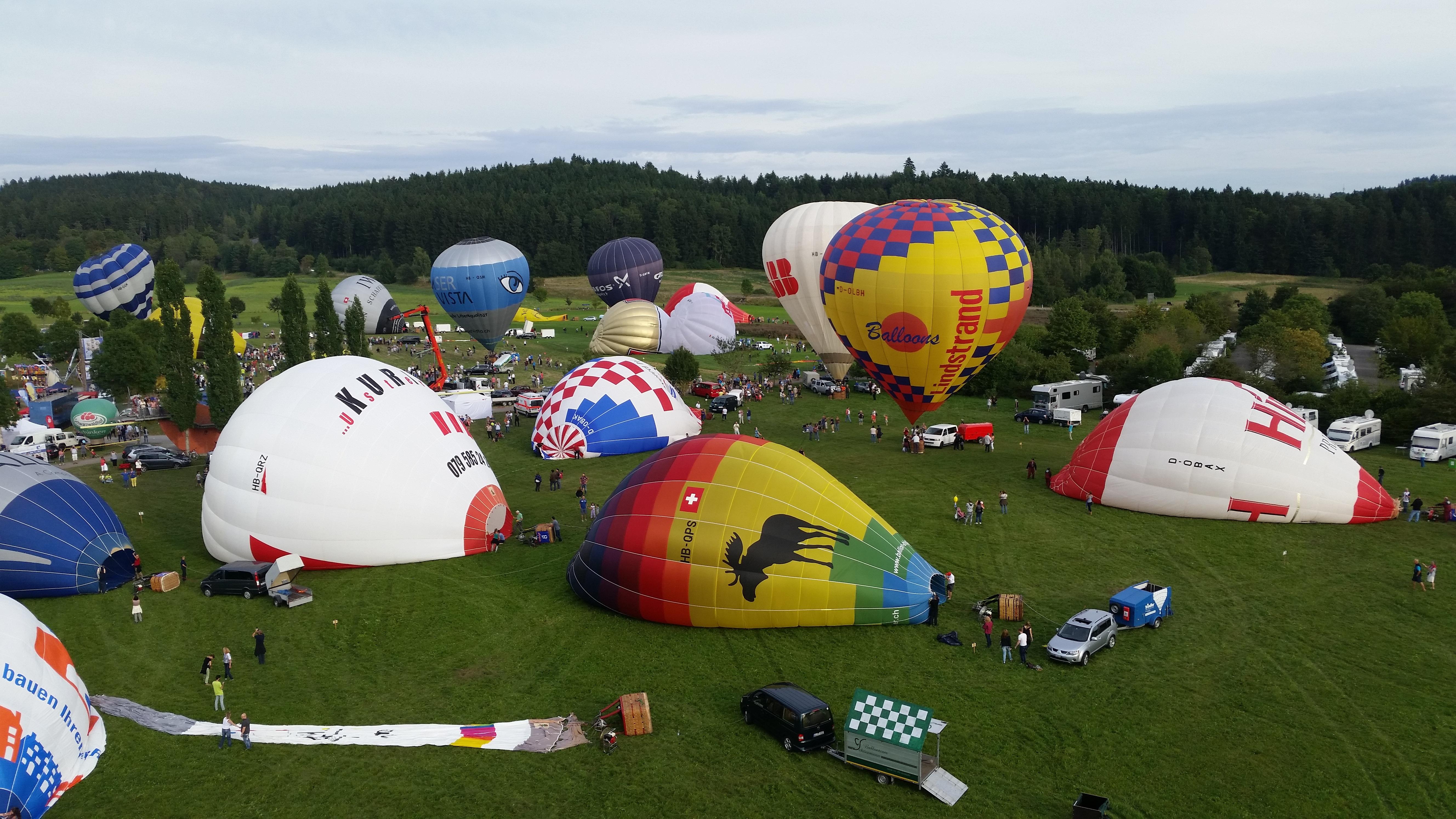 Gambar Balon Udara Pesawat Terbang Kendaraan Warna Warni Mainan Ballooning Olahraga Air Panas