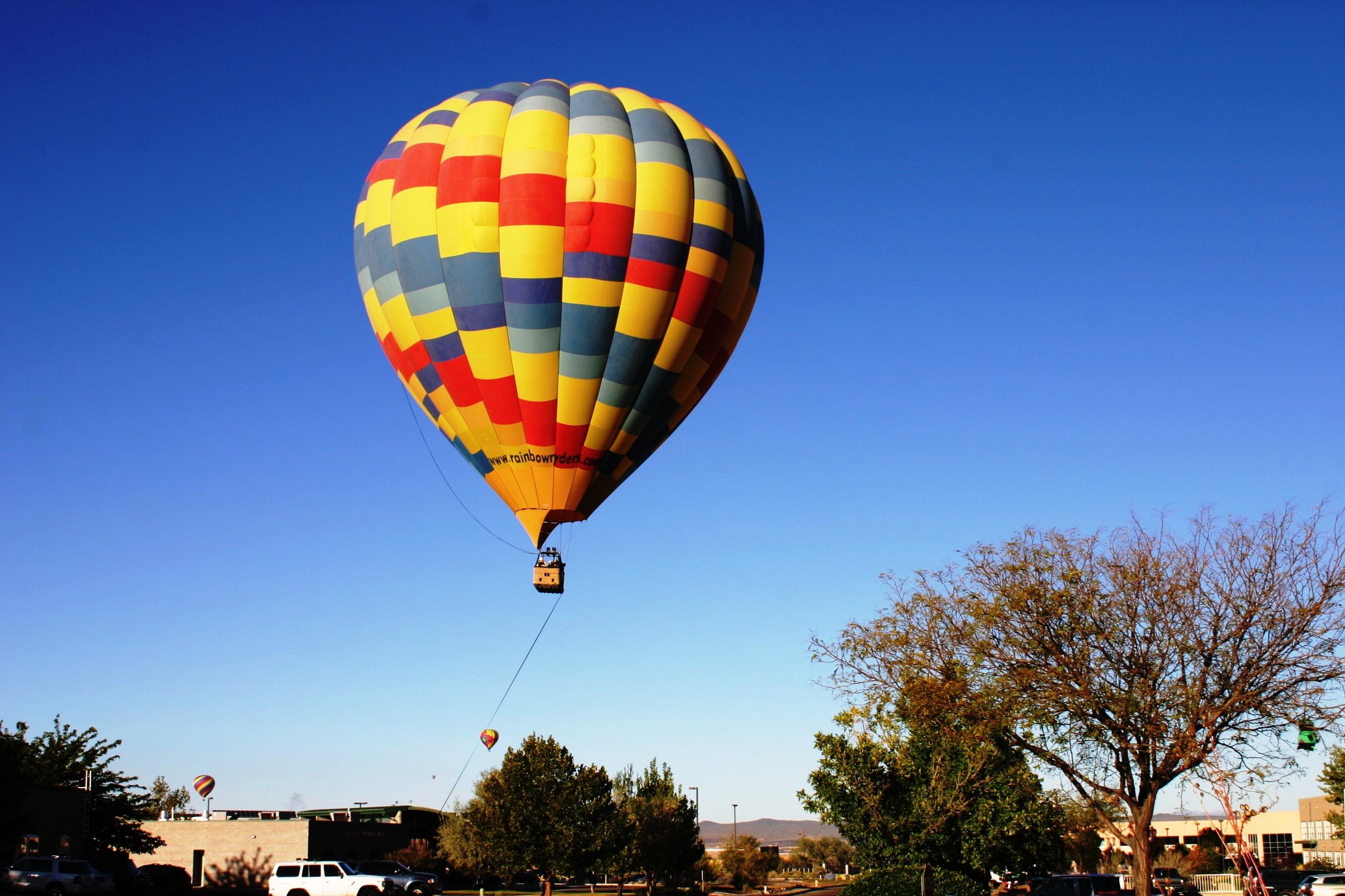 воздушный шар с корзиной фото златом теперь промышляют