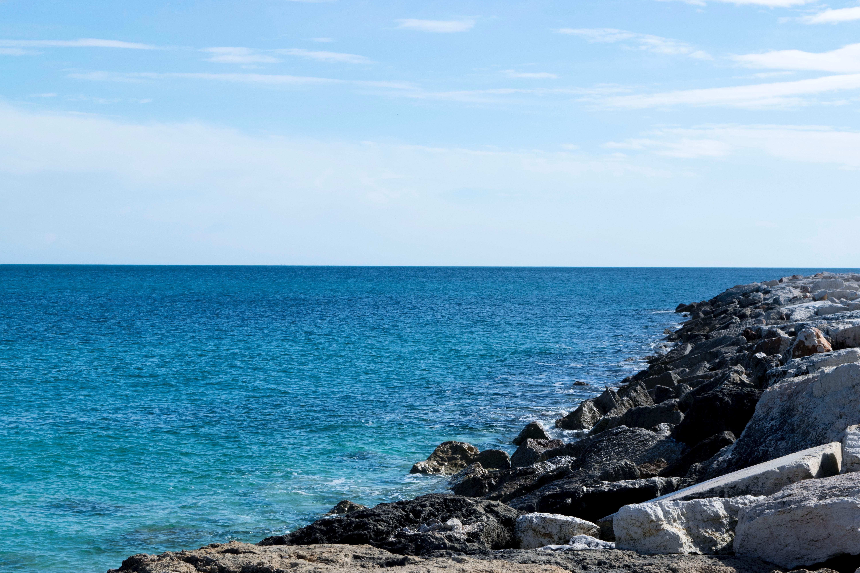 Kumpulan pemandangan pantai biru Gratis Terbaik