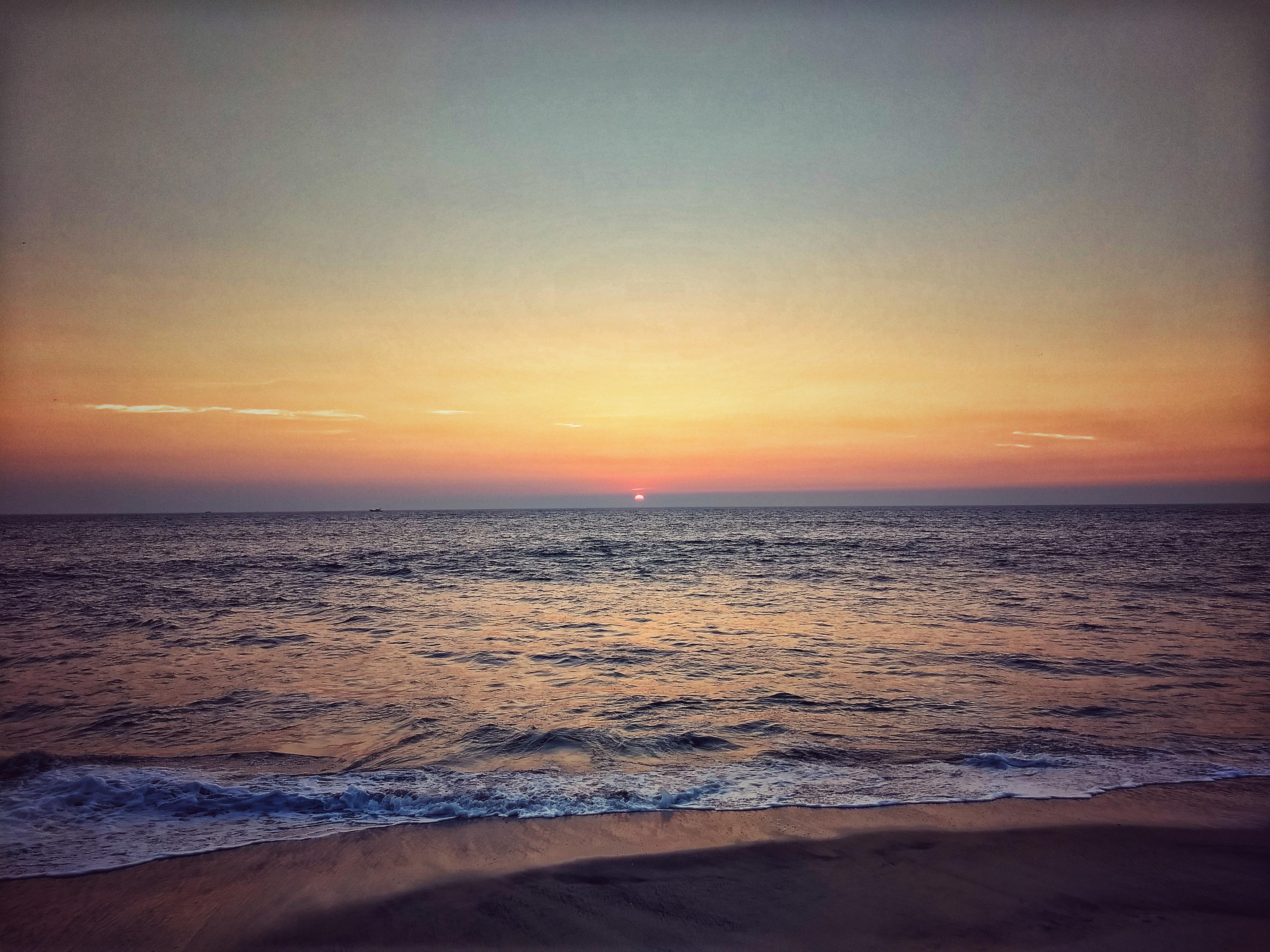 54 Gambar Pemandangan Laut Senja Paling Bagus