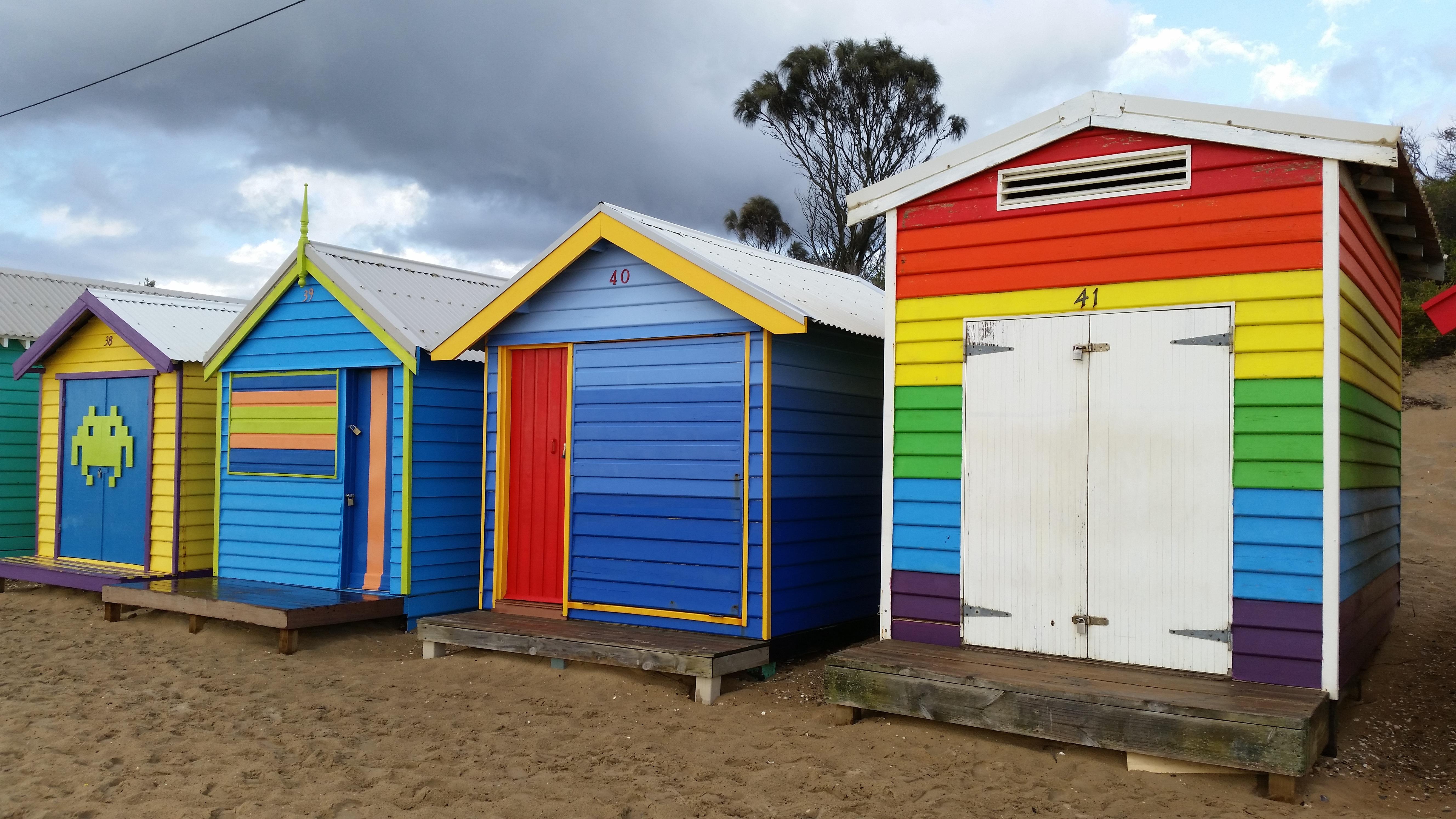 cabine de plage en bois