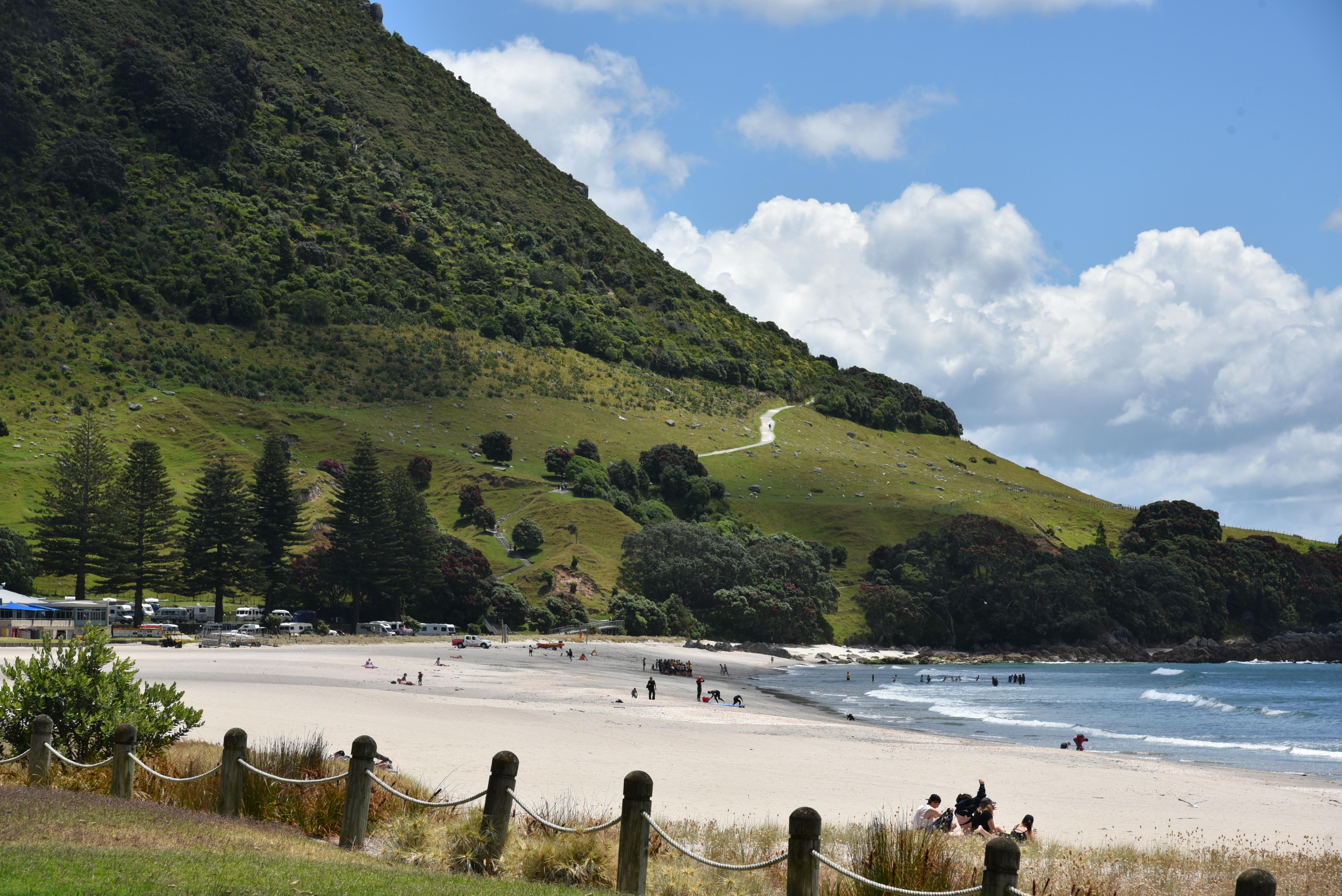 950 pantai pemandangan gunung HD Terbaik