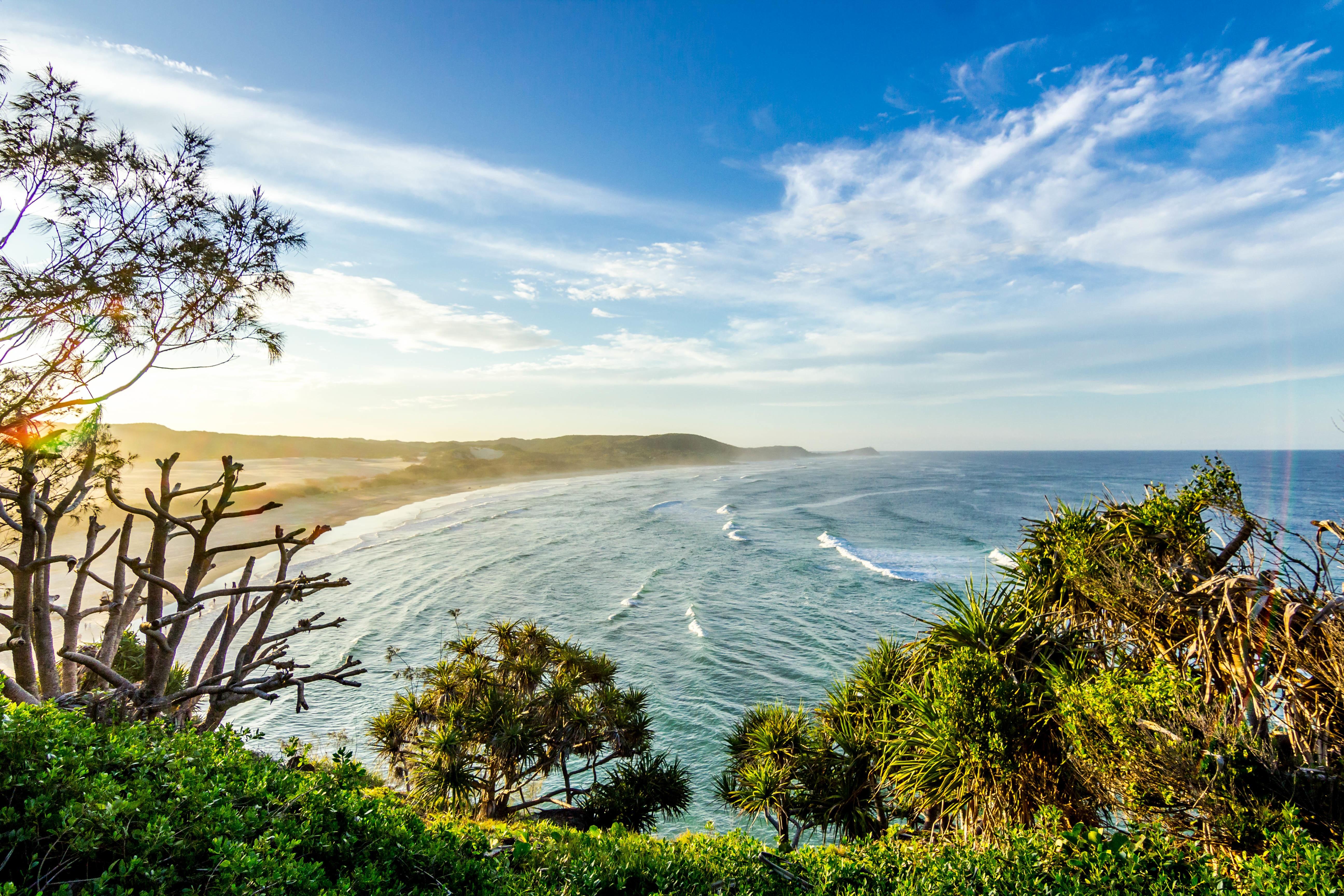 無料画像 : ビーチ, 風景, 海岸, 木, 自然, 海洋, 地平線, 雲, 太陽光, 湖, 休暇, 崖, 入り江, 湾, 水域, 生息地 5184x3456