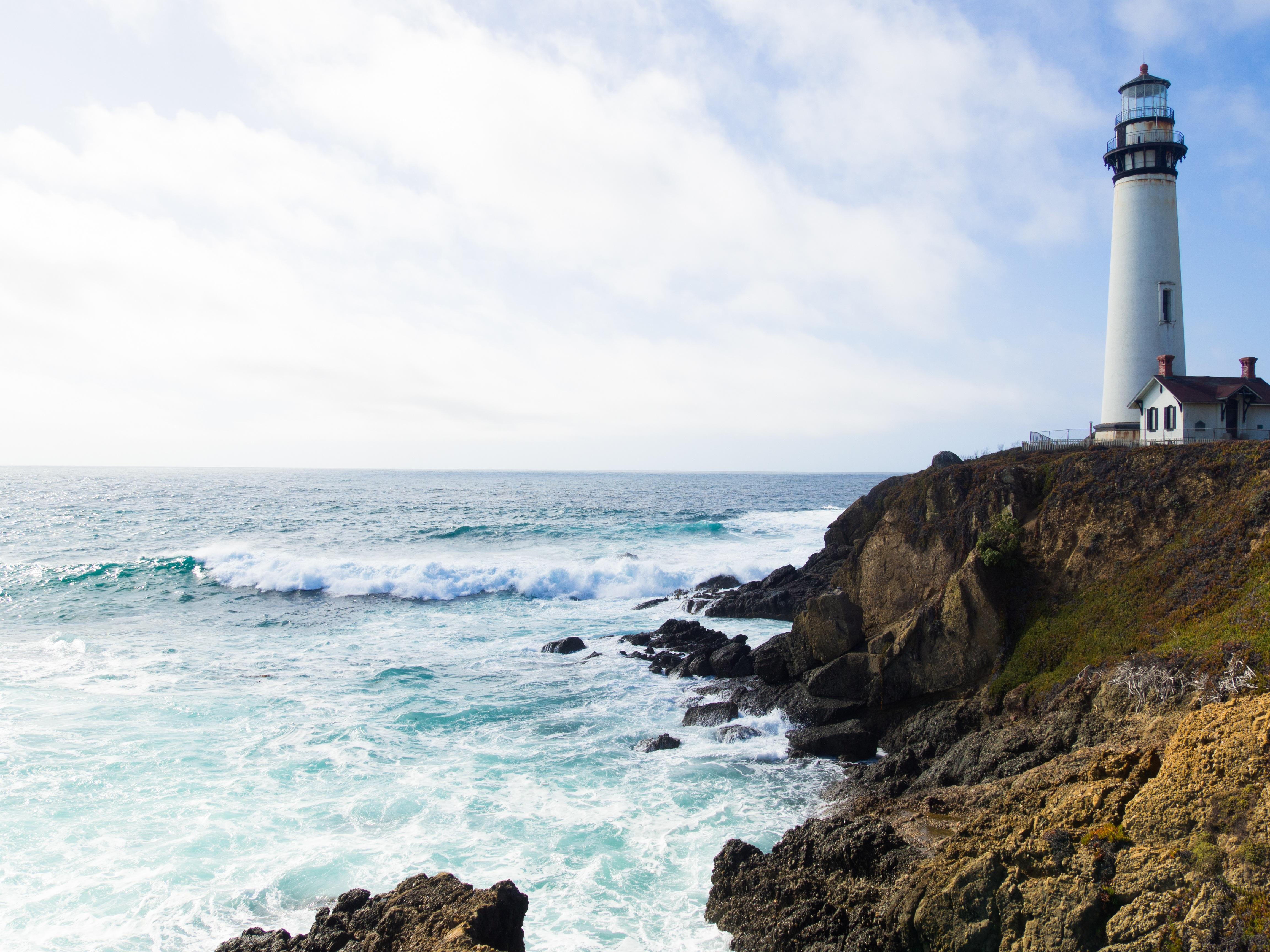 зависят маяк на берегу моря фото были проведены прецизионные