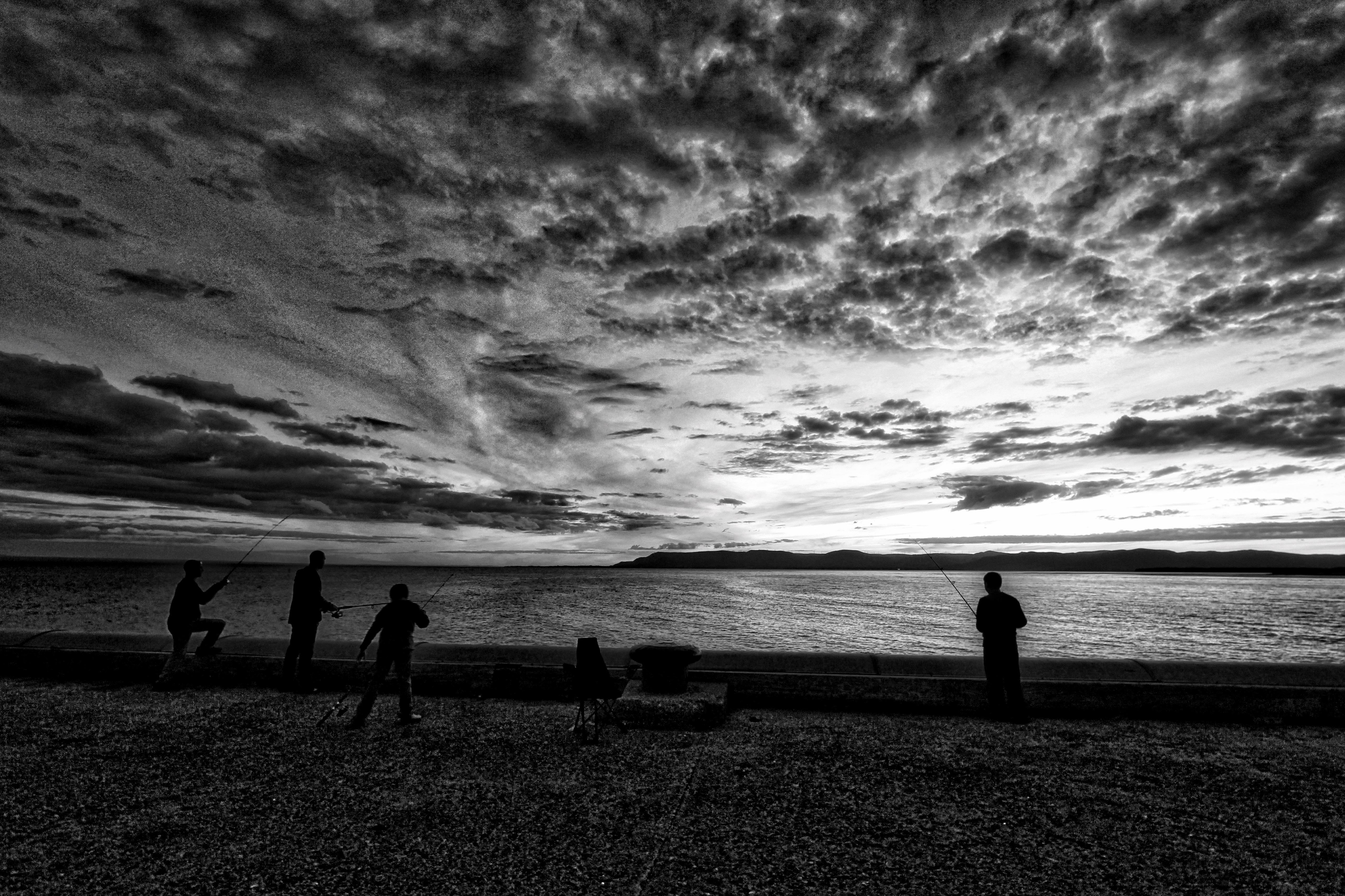 76 Gambar Pemandangan Pantai Hitam Putih