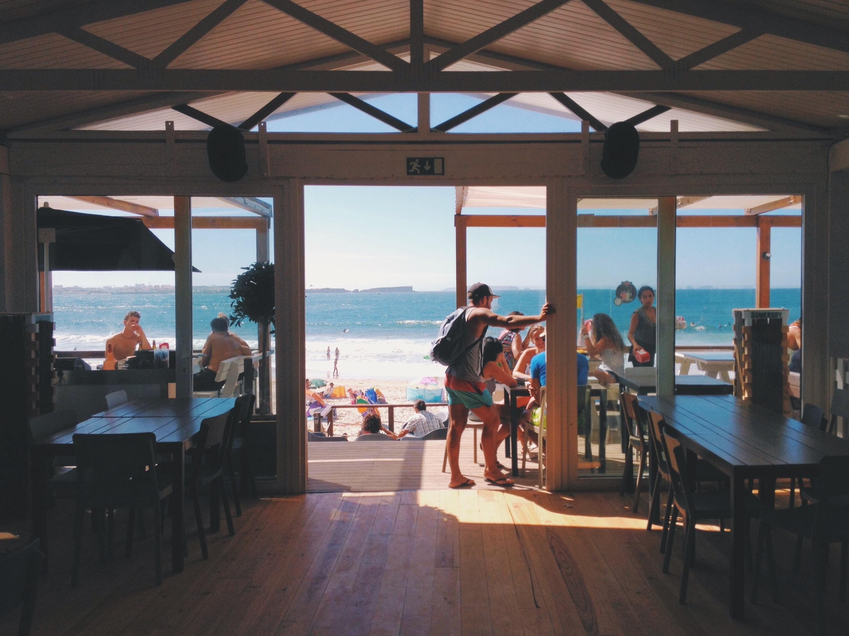 Fotos gratis : playa, Oceano, cafetería, gente, casa, verano ...