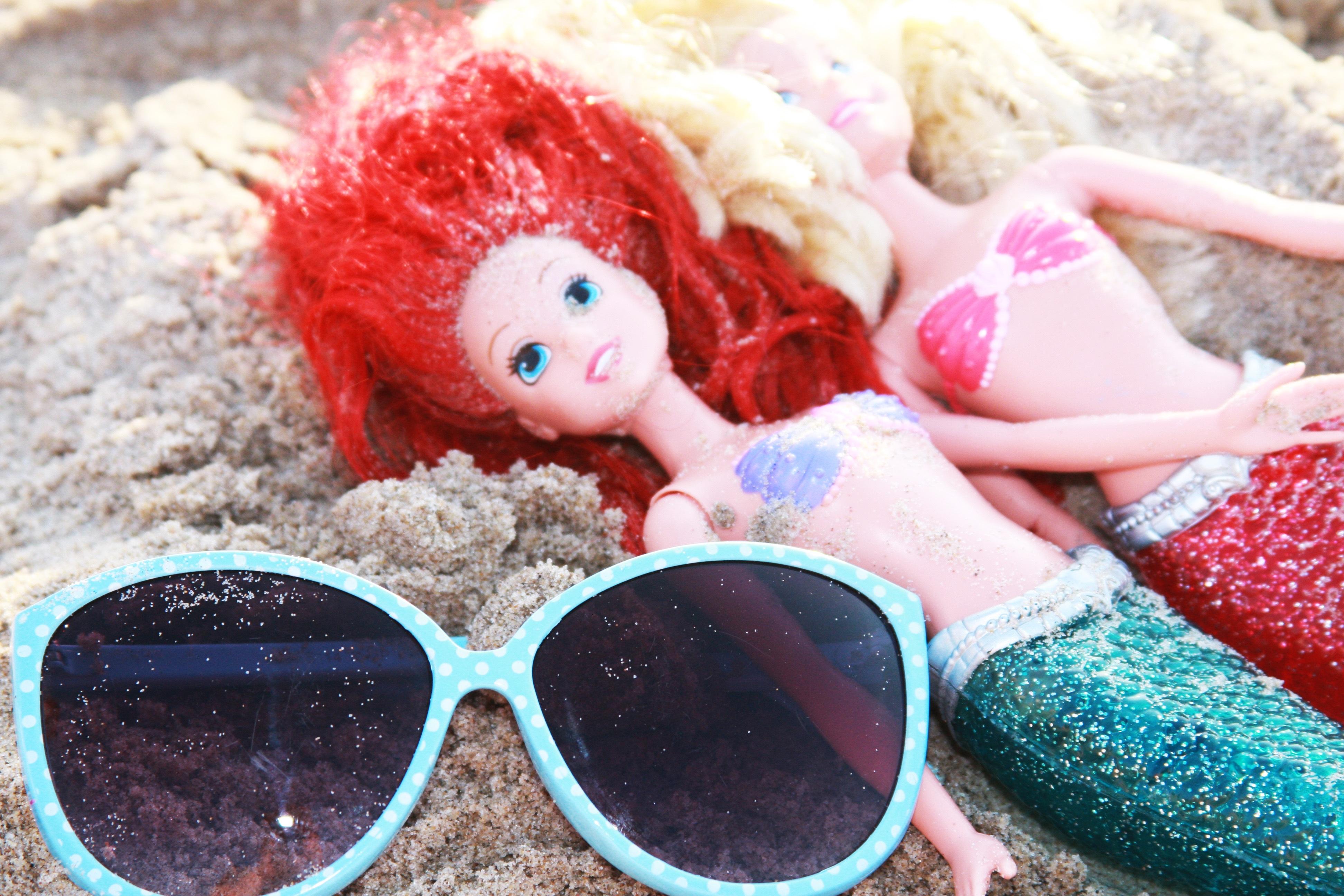 8ddc89e2ef916 ... vermelho, cor, azul, Rosa, brinquedo, infância, crochê, ensolarado,  boneca, arte, Diversão, oculos de sol, óculos, Brinquedos, Bonecas, Doçura,  sereia ...