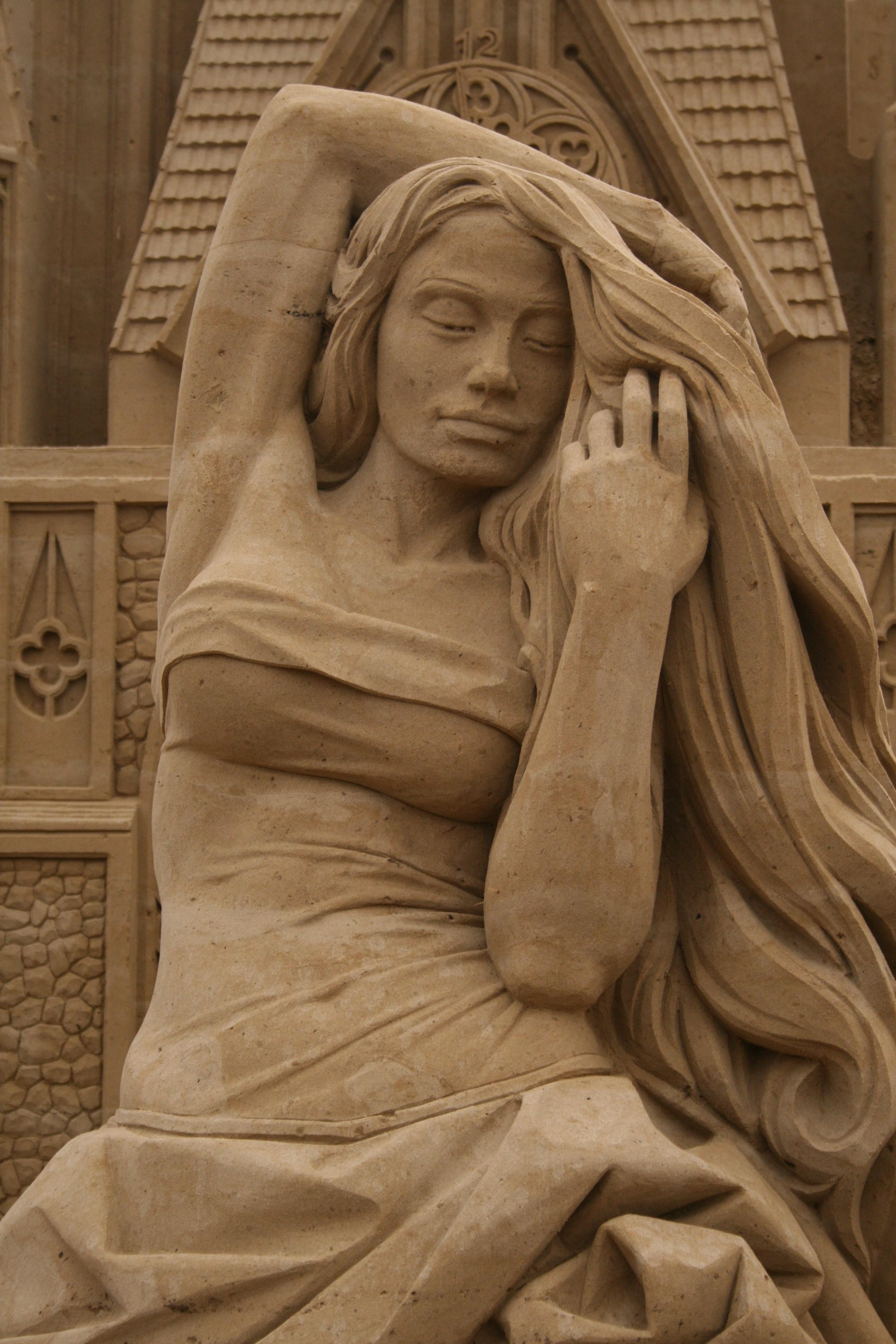 The dress color original image of statue
