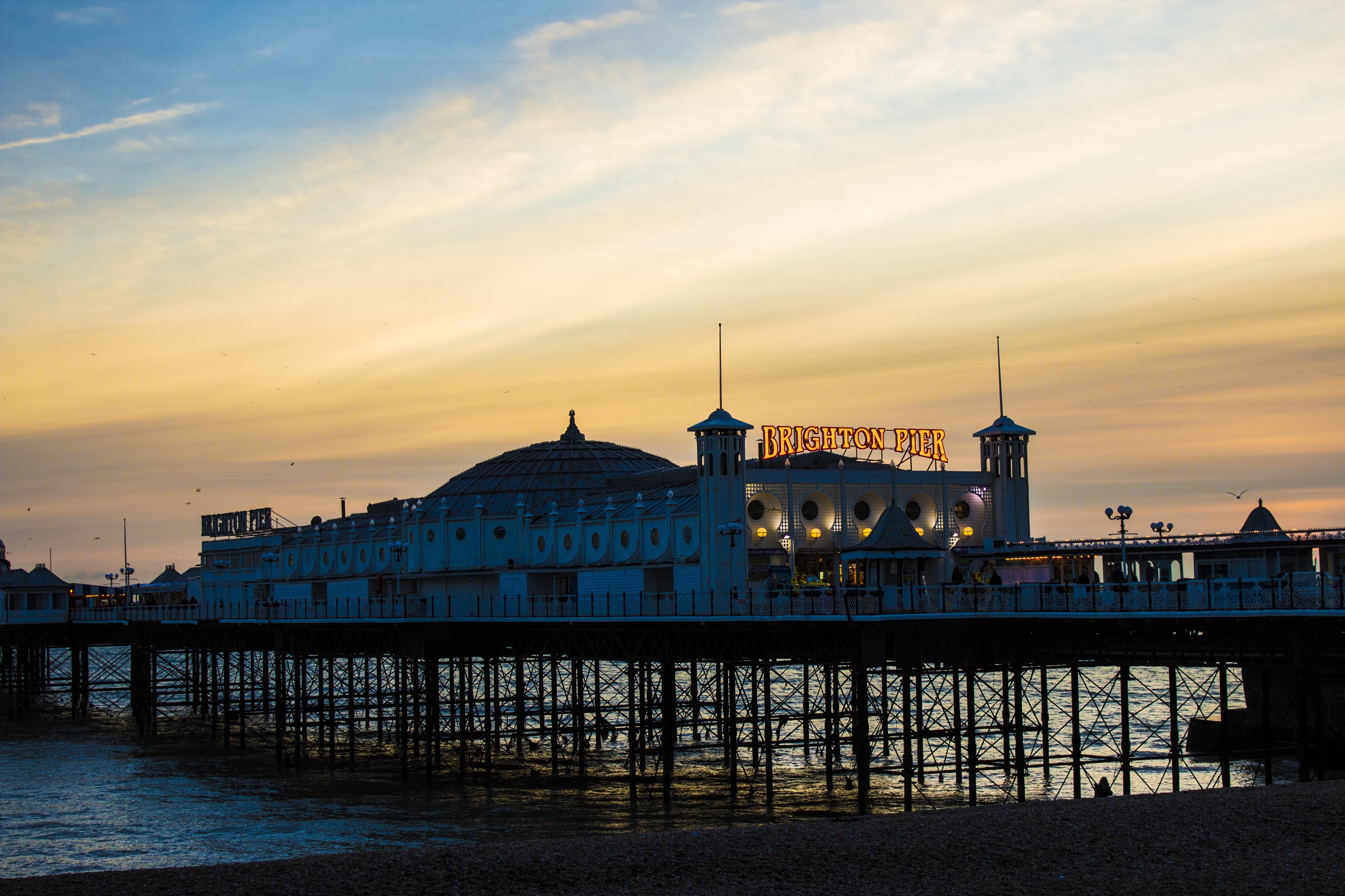 images gratuites : plage, côte, horizon, architecture, ciel, lever