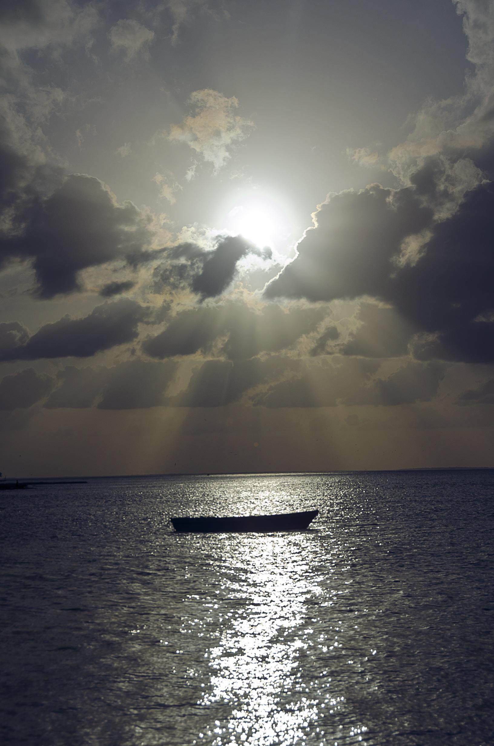 Sea Ray Boat >> Free Images : beach, sea, coast, ocean, horizon, cloud, sky, sunrise, sunset, boat, sunlight ...