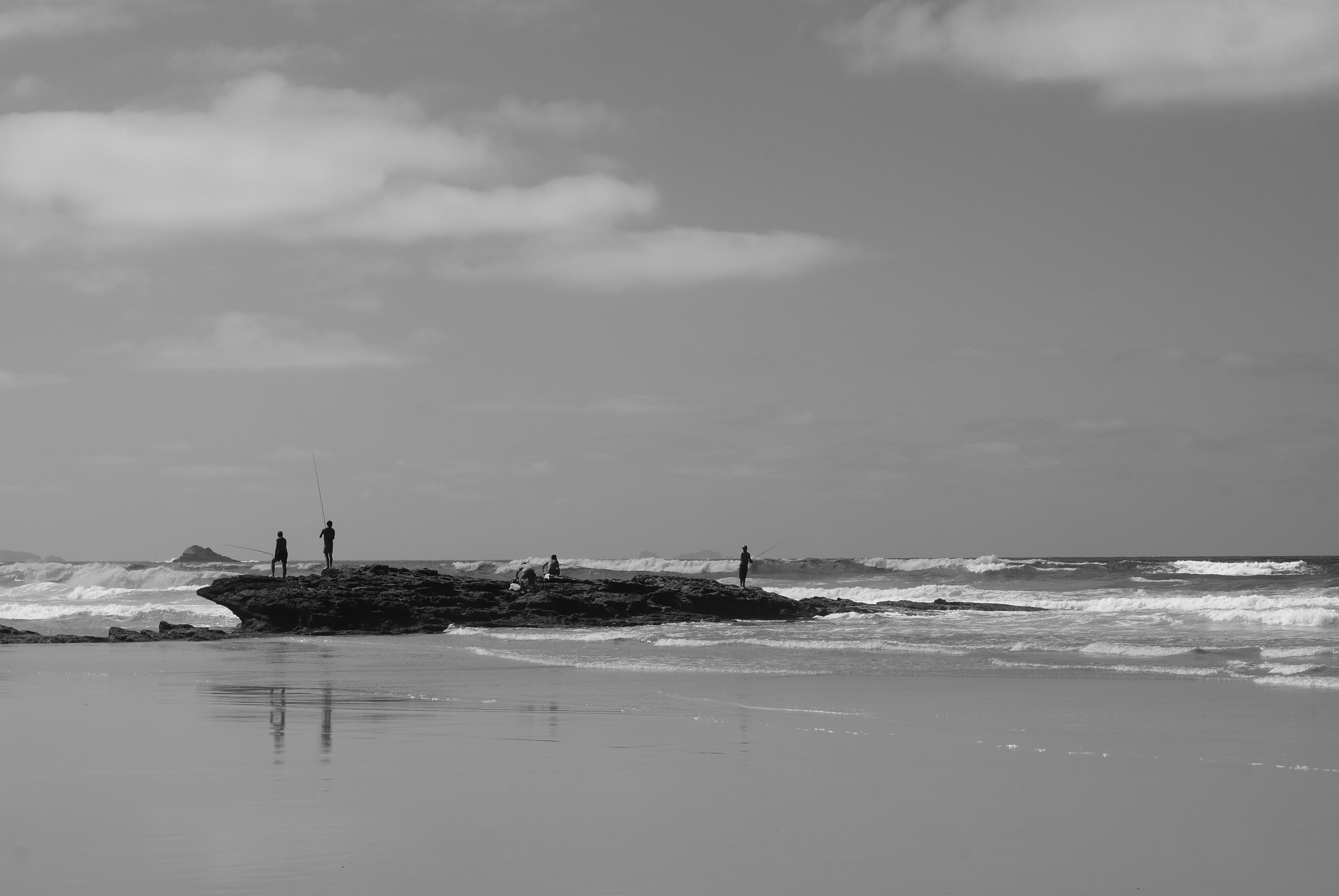 hình ảnh : bờ biển, Bờ biển, đại dương, Đường chân trời, sáng tạo, đám mây, đen và trắng, những người, đường phố, nhiếp ảnh, làn sóng, xã hội, Dslr, Xe, ...