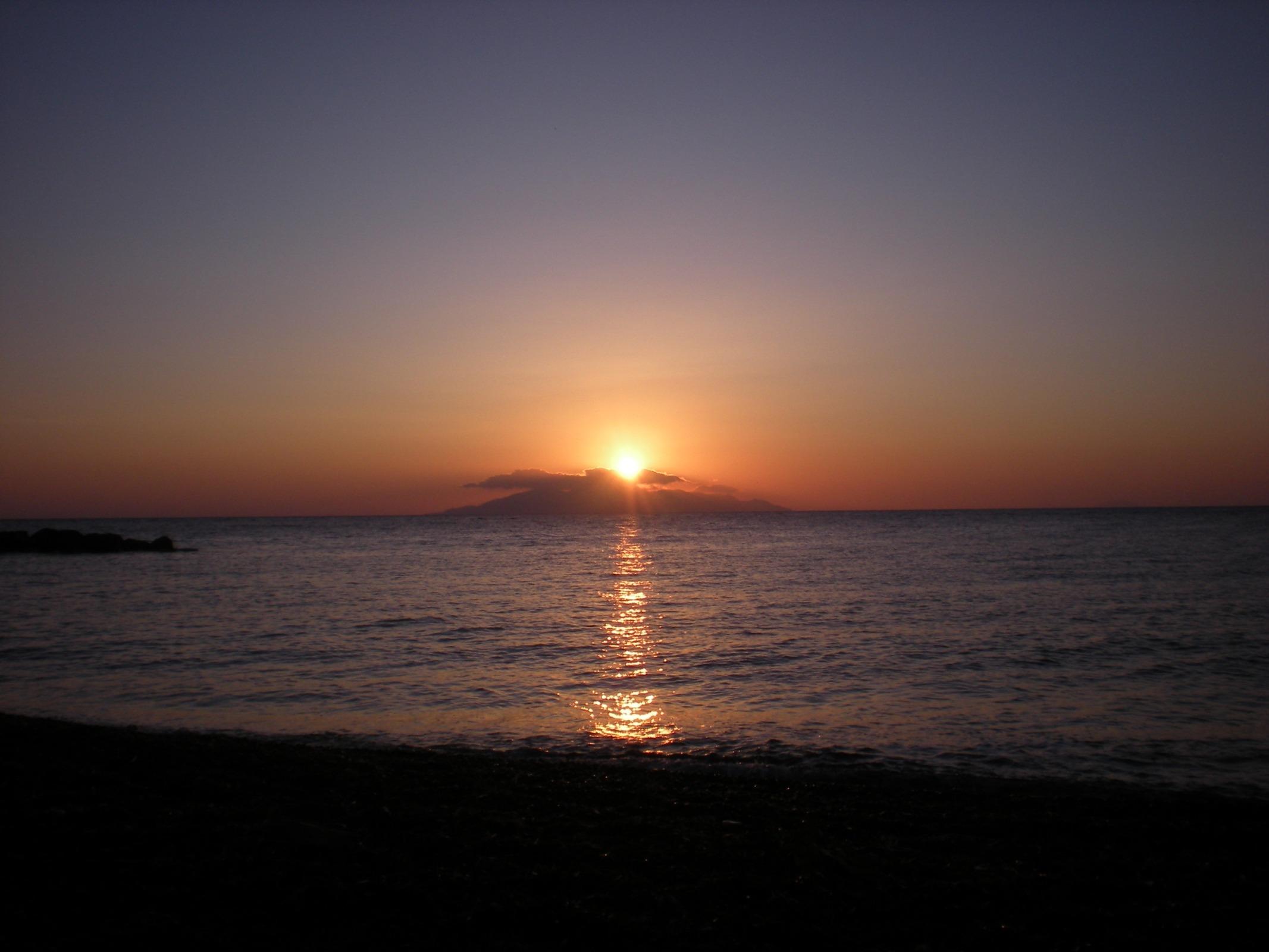 Images gratuites plage mer c te oc an horizon - Du lever du soleil jusqu a son coucher ...