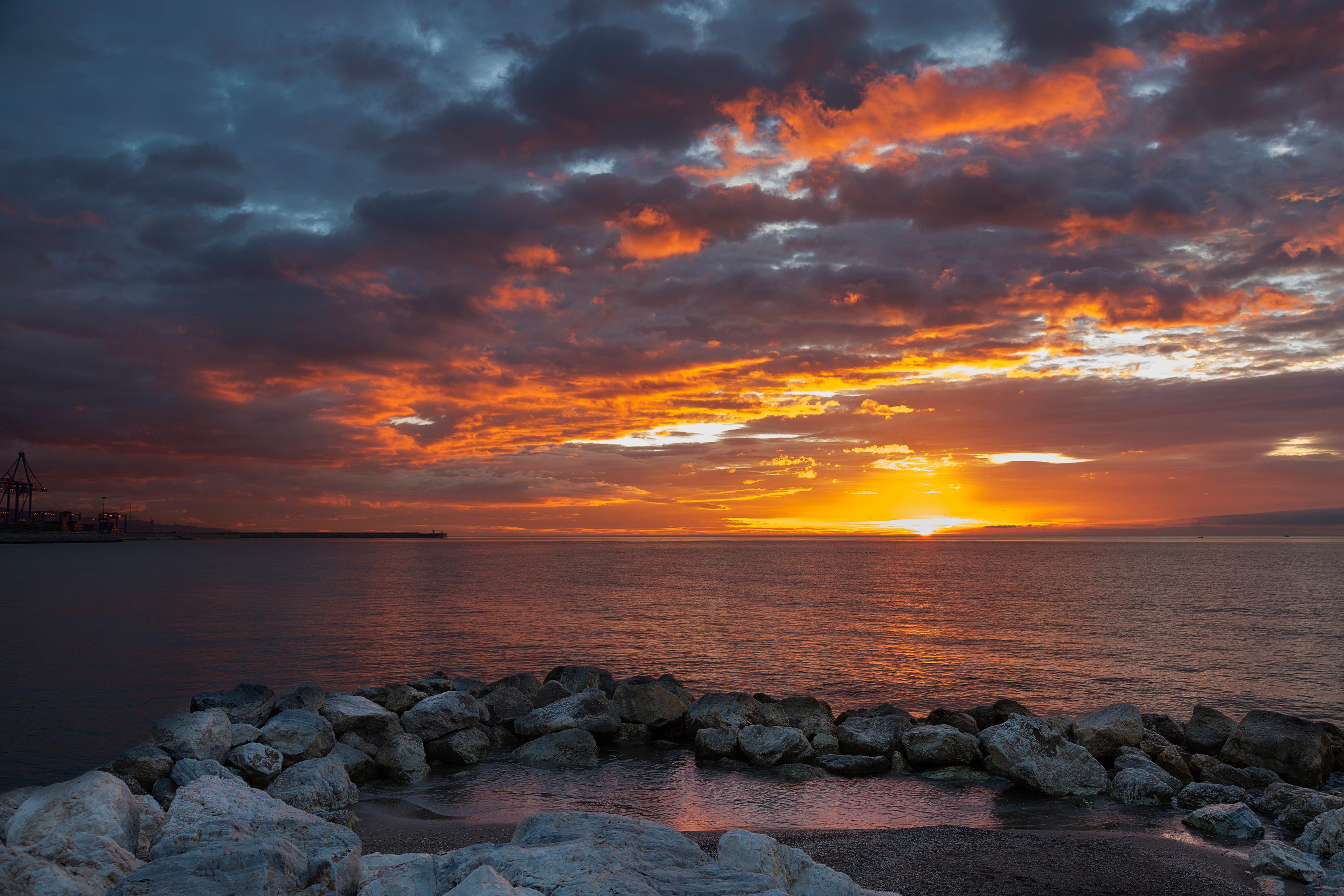Картинки закат на берегу моря