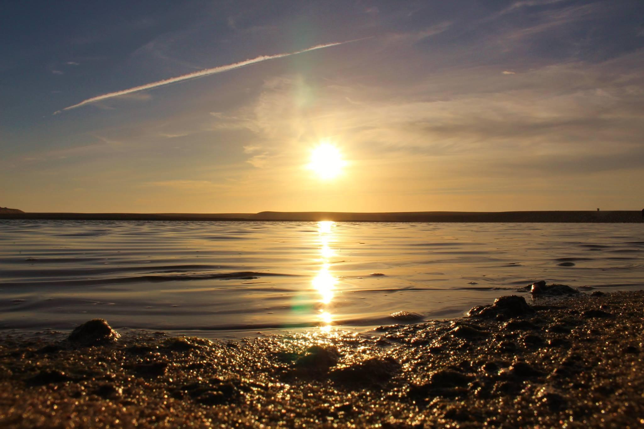 Gambar Pantai Laut Pasir Lautan Horison Awan Langit Sinar Matahari Matahari Terbit Matahari Terbenam Pagi Gelombang Fajar Suasana Foto Senja Permai Romantis Berkemah Badan Air Di Malam Hari Merusak Indah Perasaan