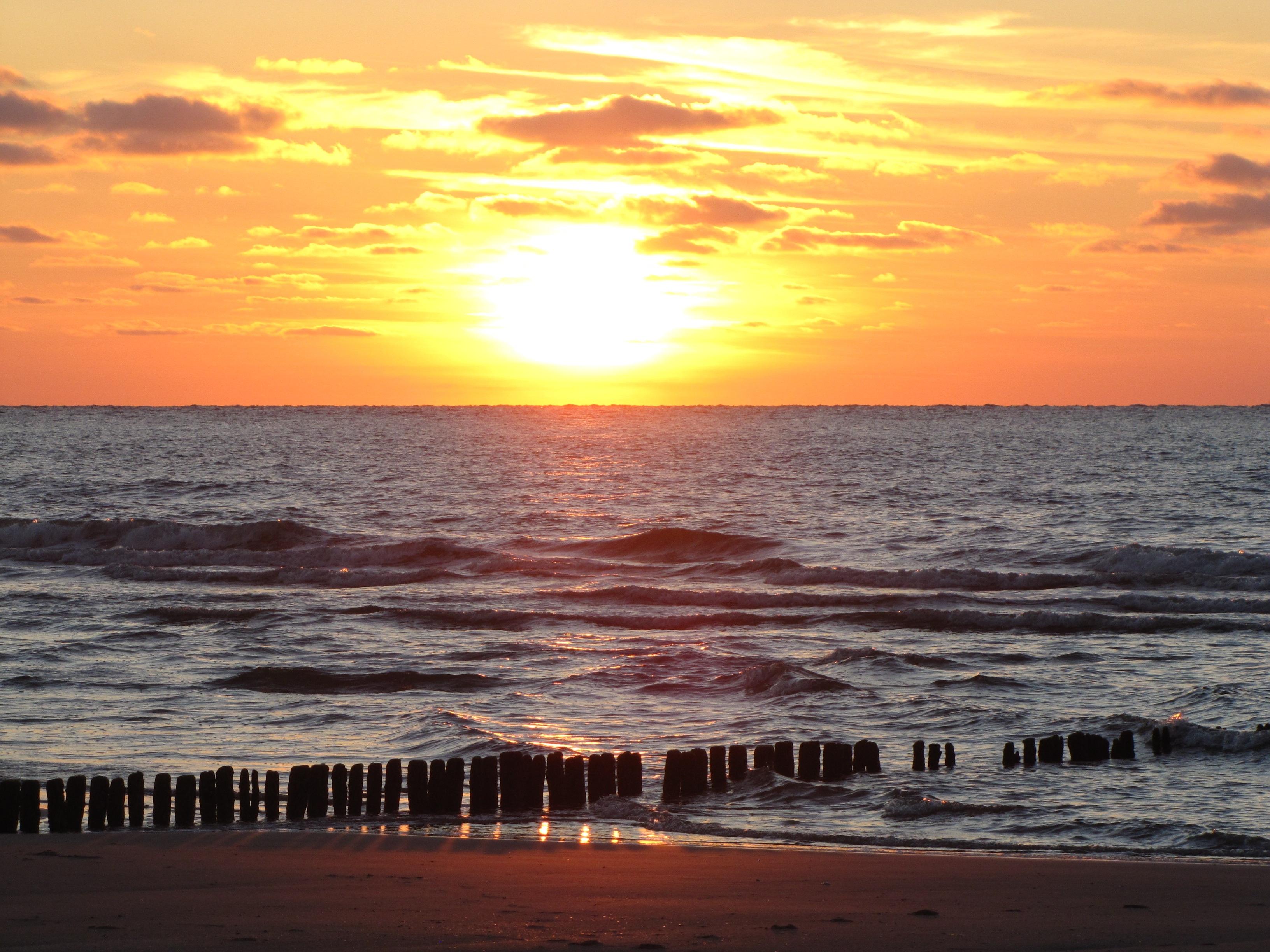 Strand nordsee sonnenuntergang  Kostenlose foto : Strand, Meer, Küste, Sand, Ozean, Horizont, Sonne ...