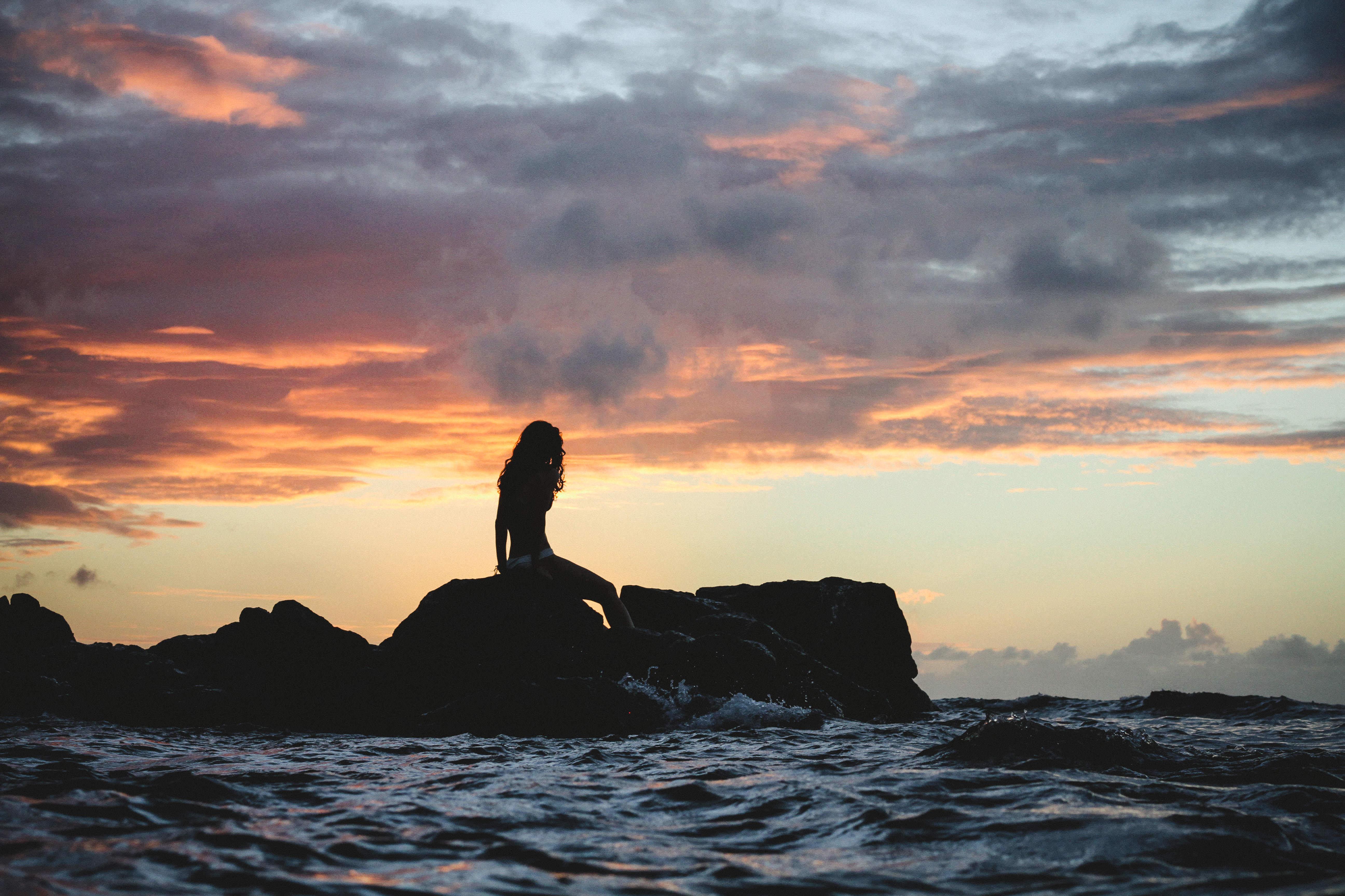 картинки с силуэтом у моря бланка будут переданы
