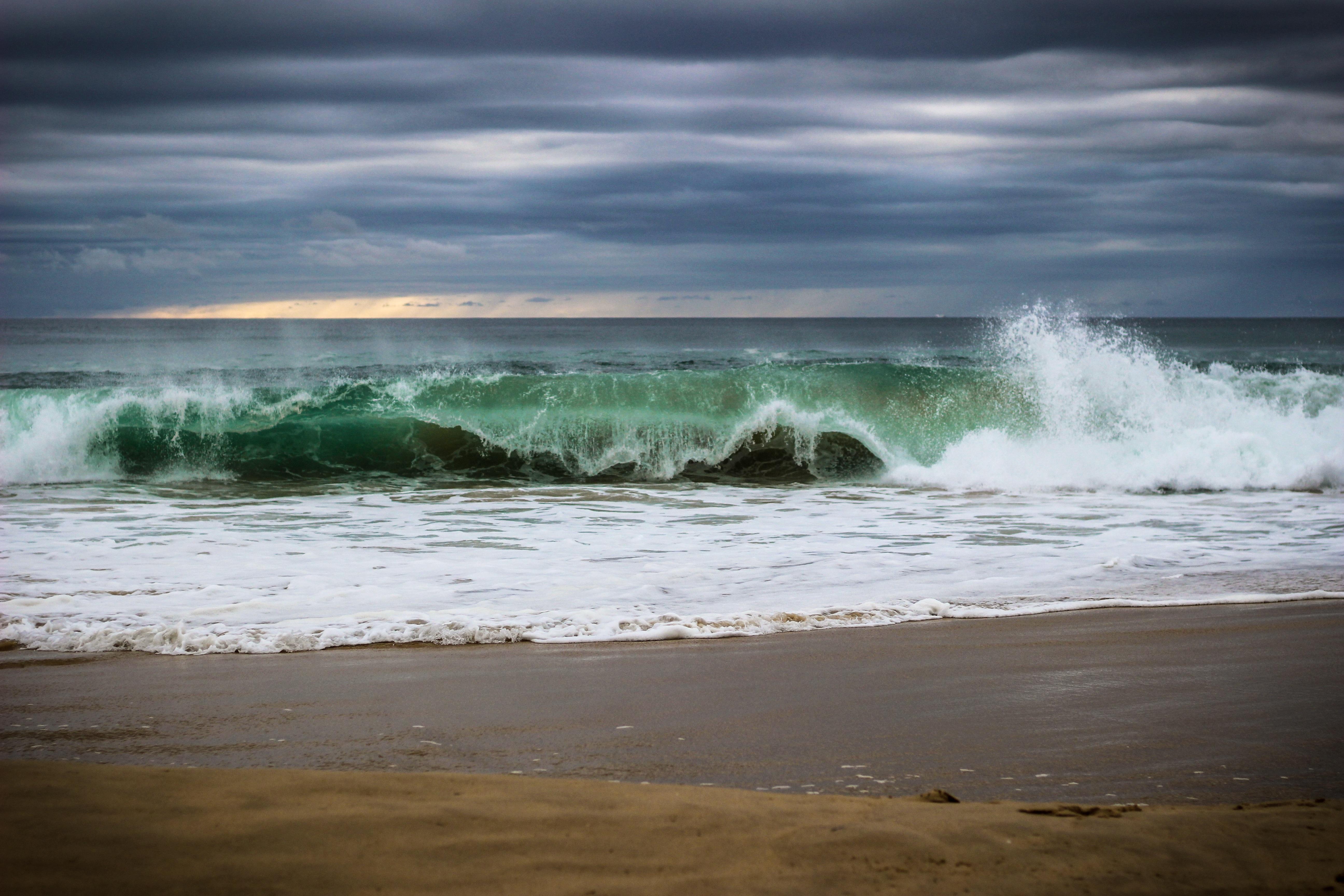 нам картинка волна утром чтобы праздник удался