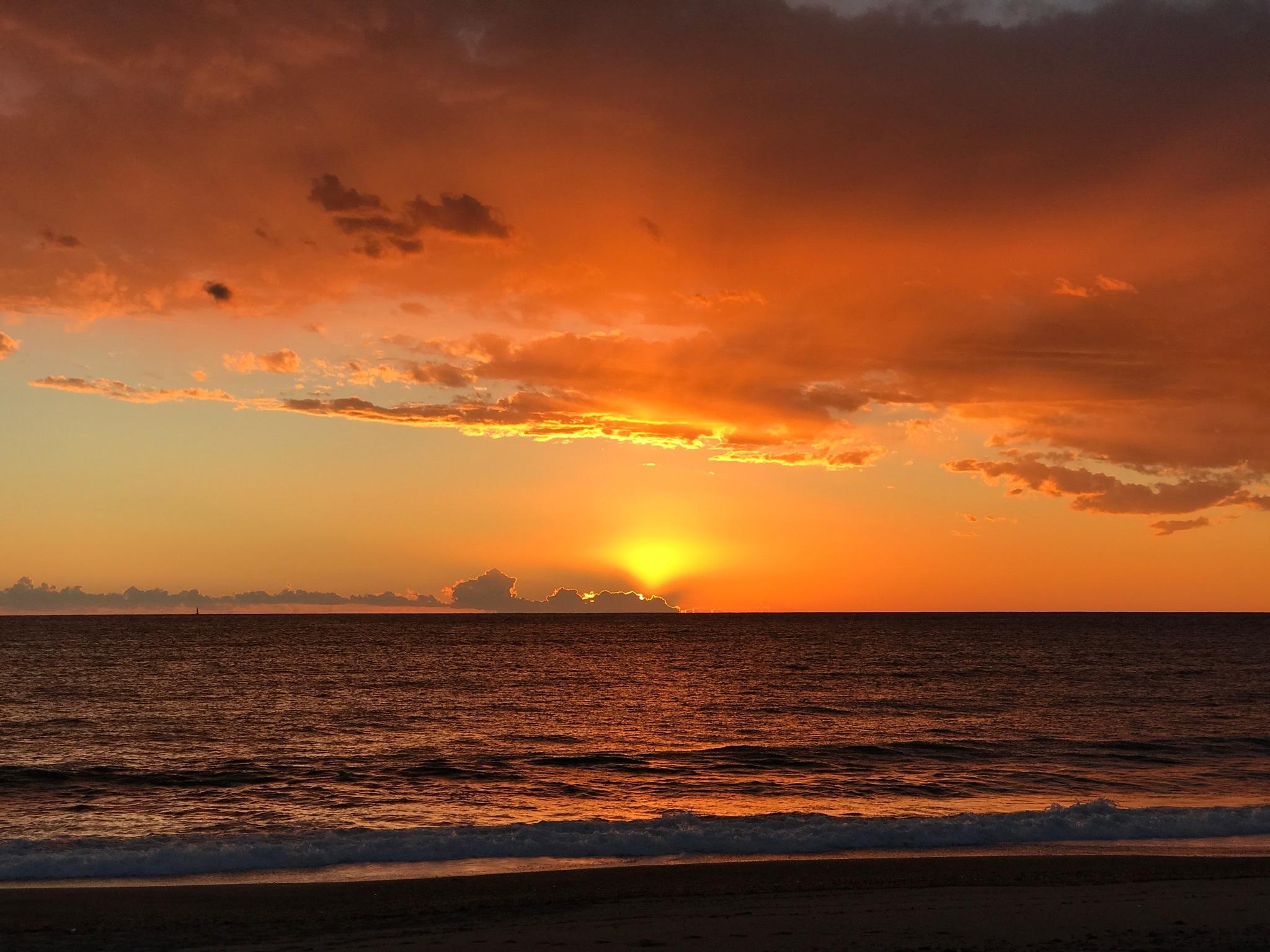 Fotos gratis playa mar costa oceano horizonte nube for Puesta de sol
