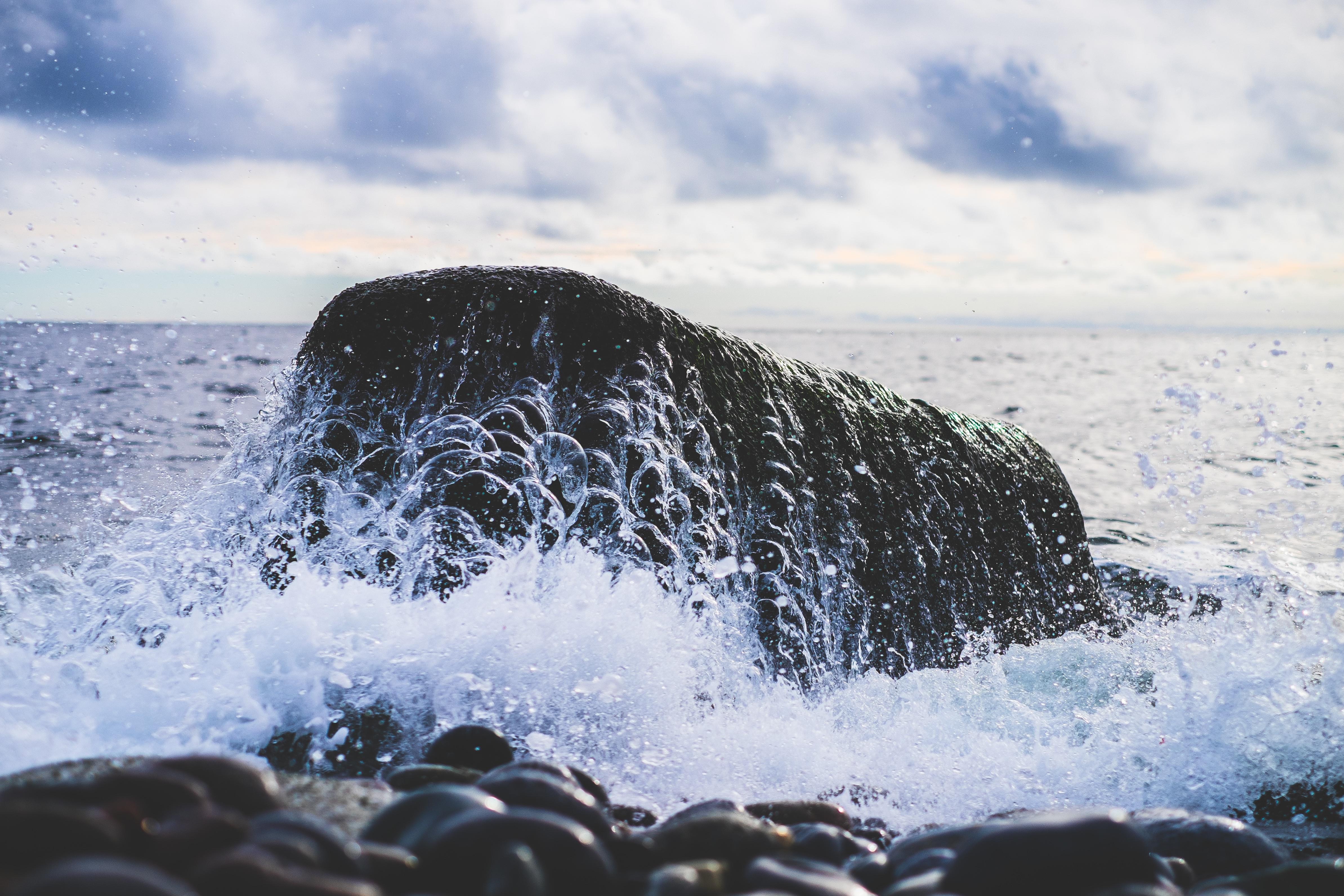 брызги вода море камень  № 2149699 загрузить
