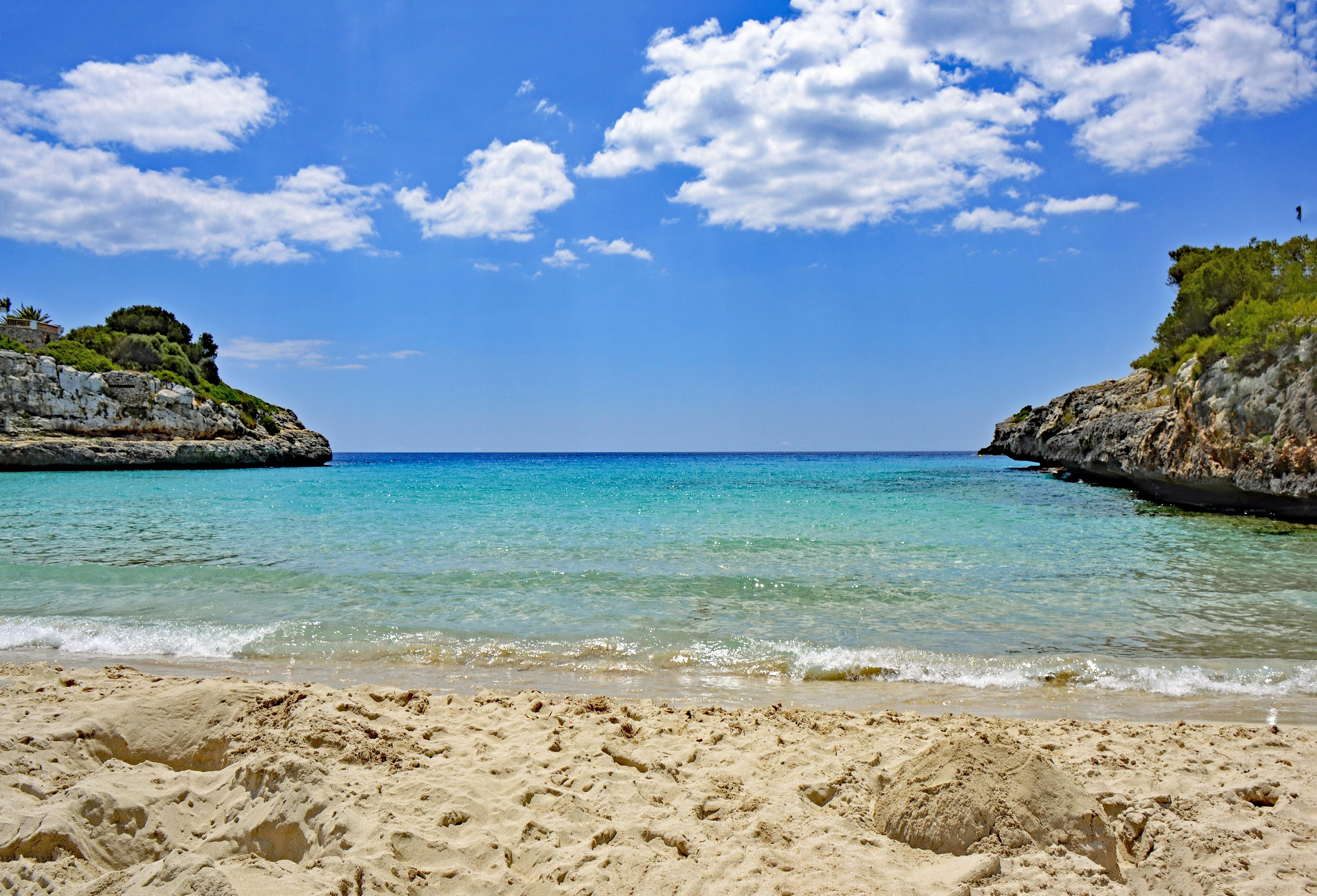 надо срочно фото испанских морских берегов любви родине