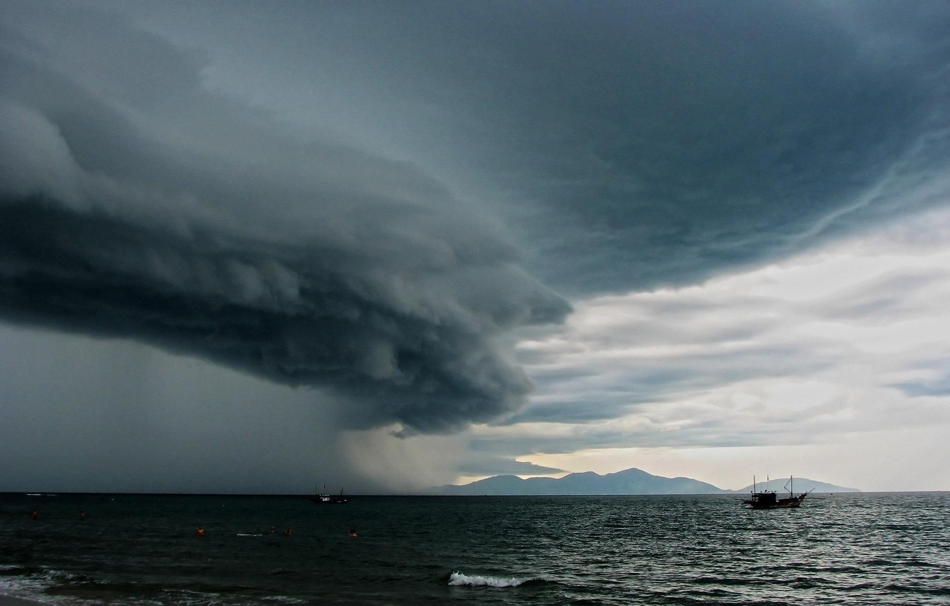 Free Images : Sea, Ocean, Horizon, Cloud, Rain, Weather