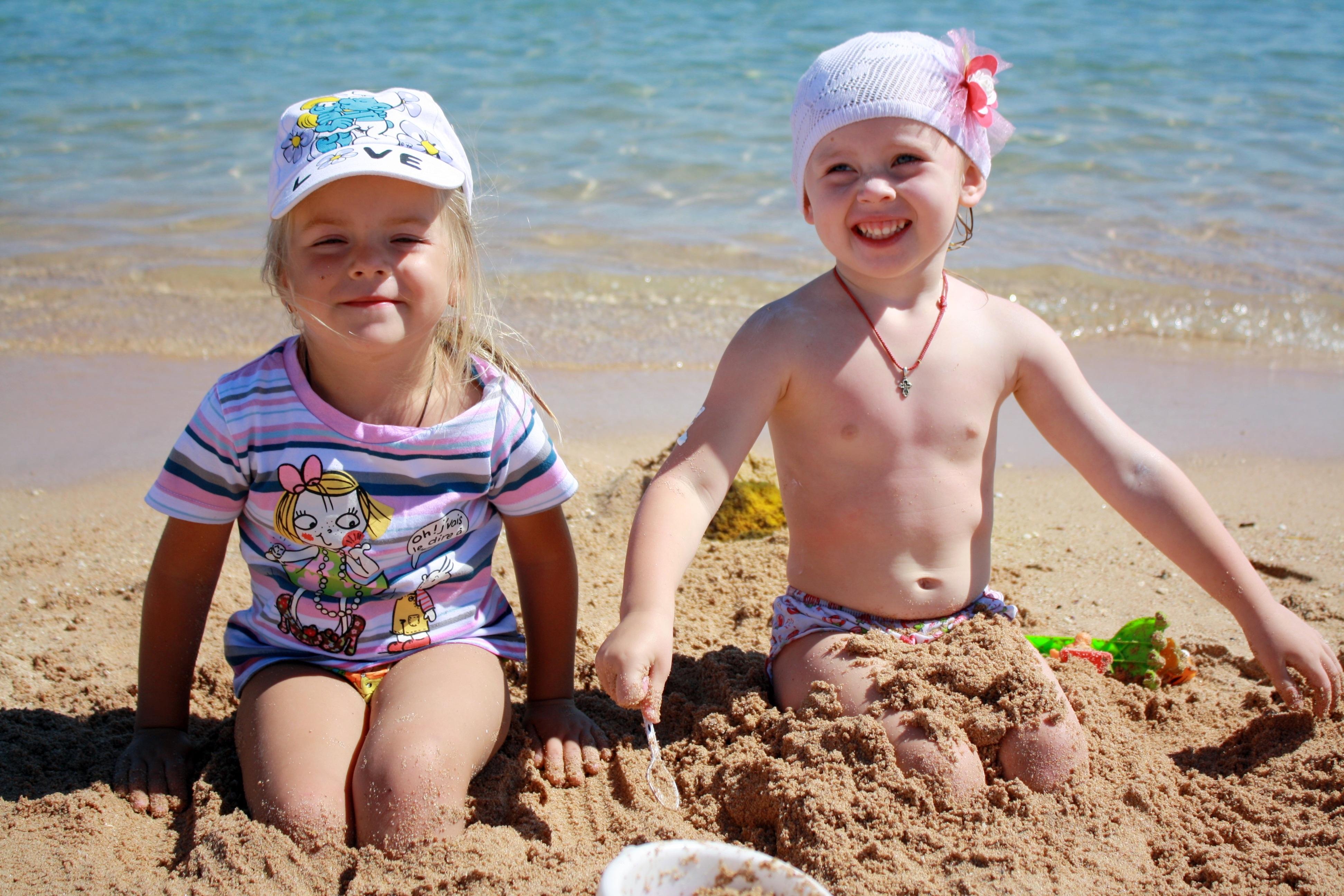 картинка с детьми летом море нужно