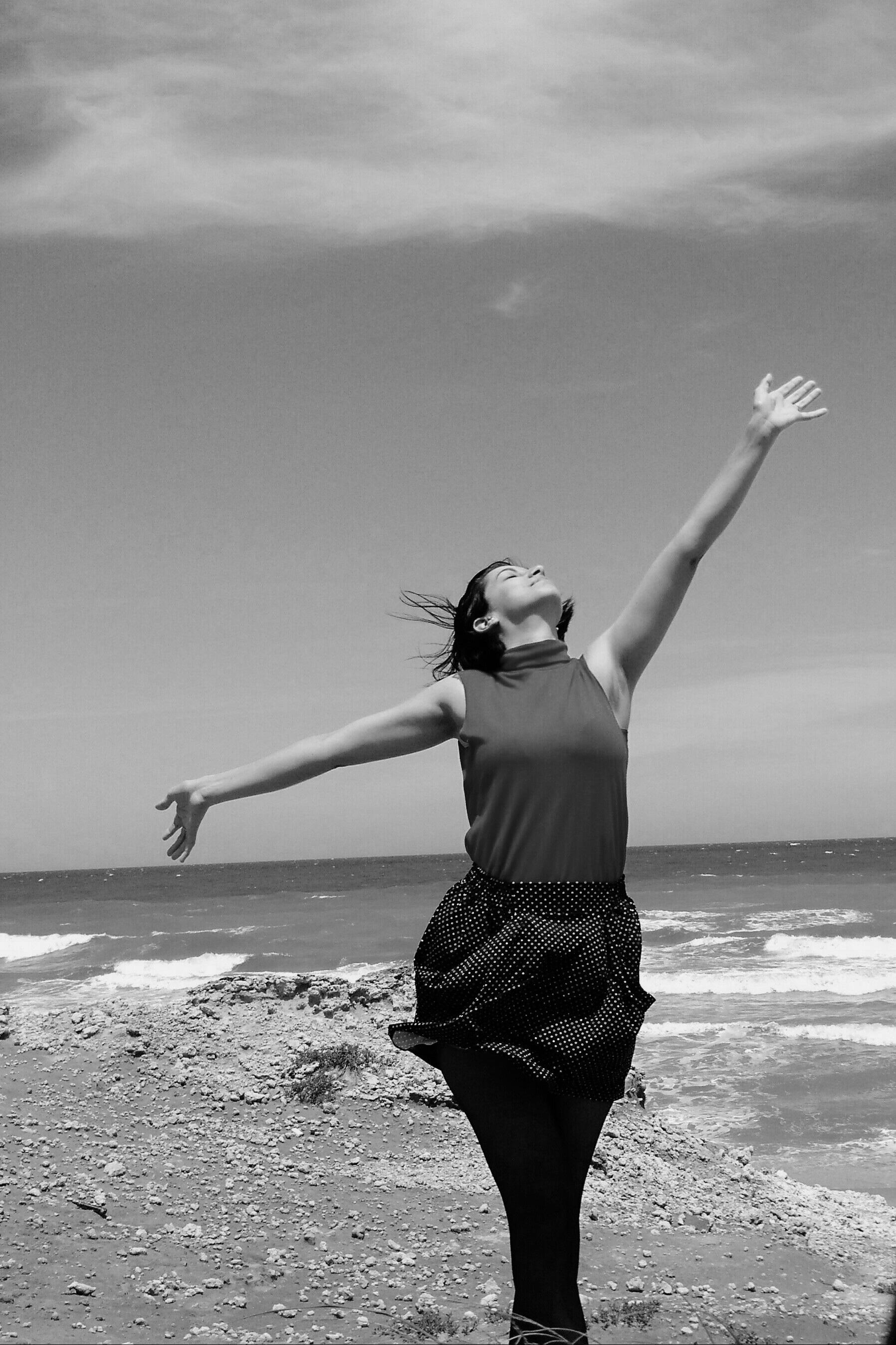 Pace Bianco E Nero immagini belle : spiaggia, mare, acqua, bianco e nero, donna