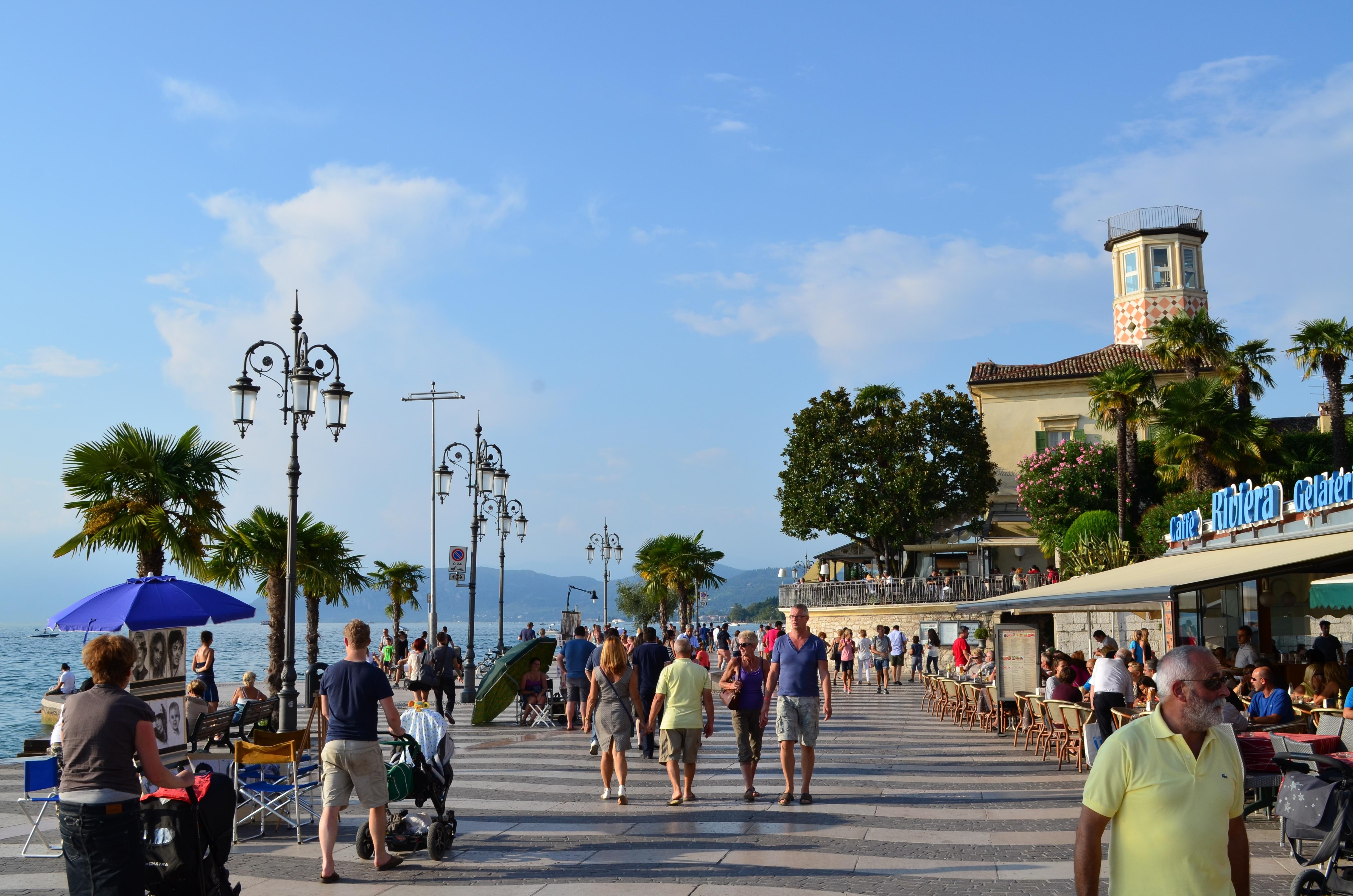 Images gratuites plage eau promenade lac passerelle - Piscine place d italie ...