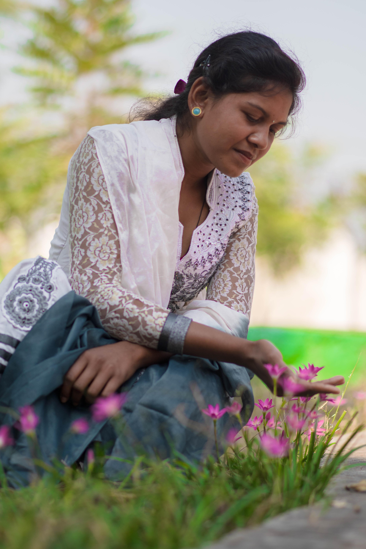 195ccaf3b131 smuk skønhed flora blomster person kvinde