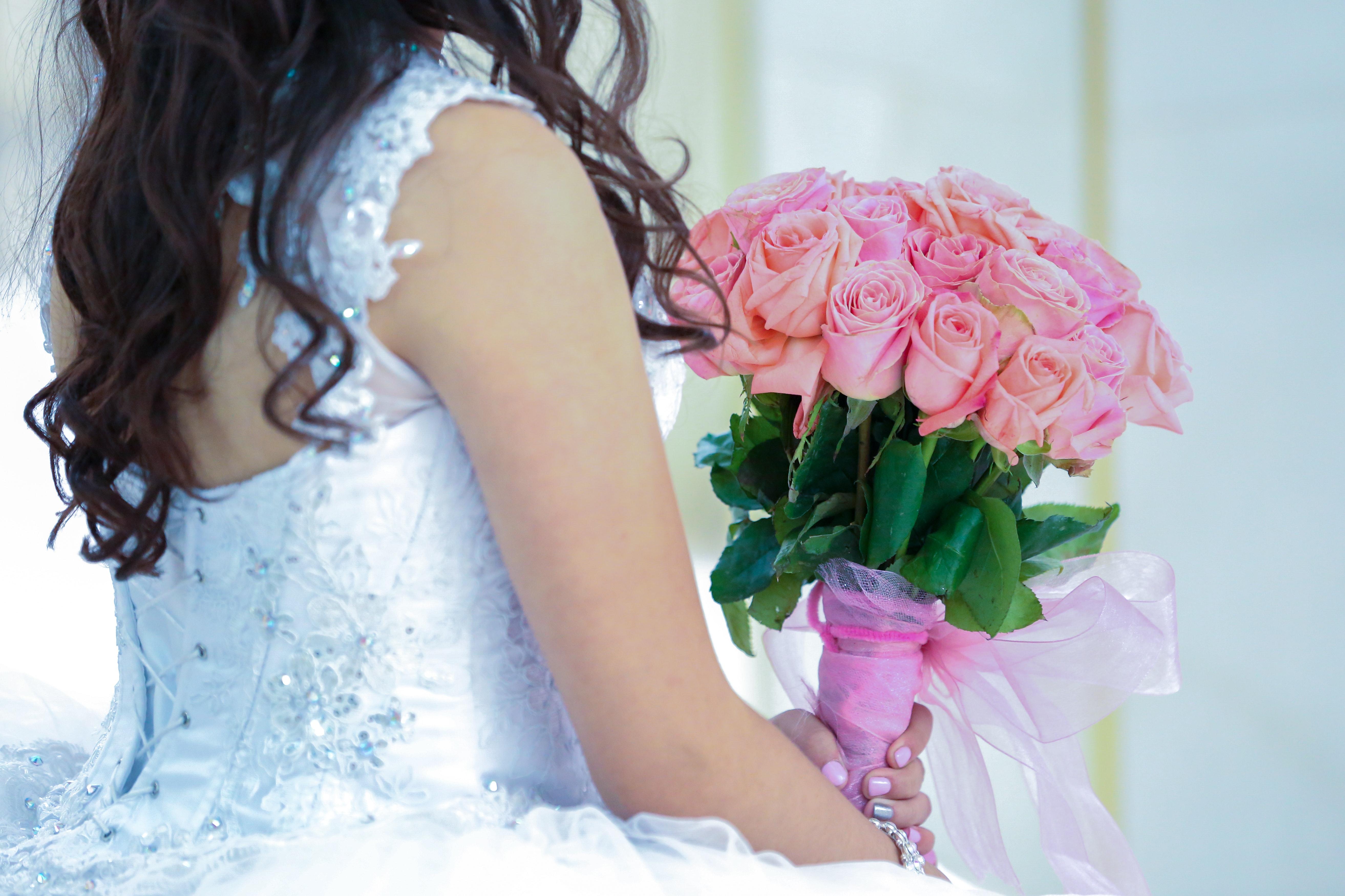 Free Images Beautiful Bridal Bouquet Bridal Gown Bride