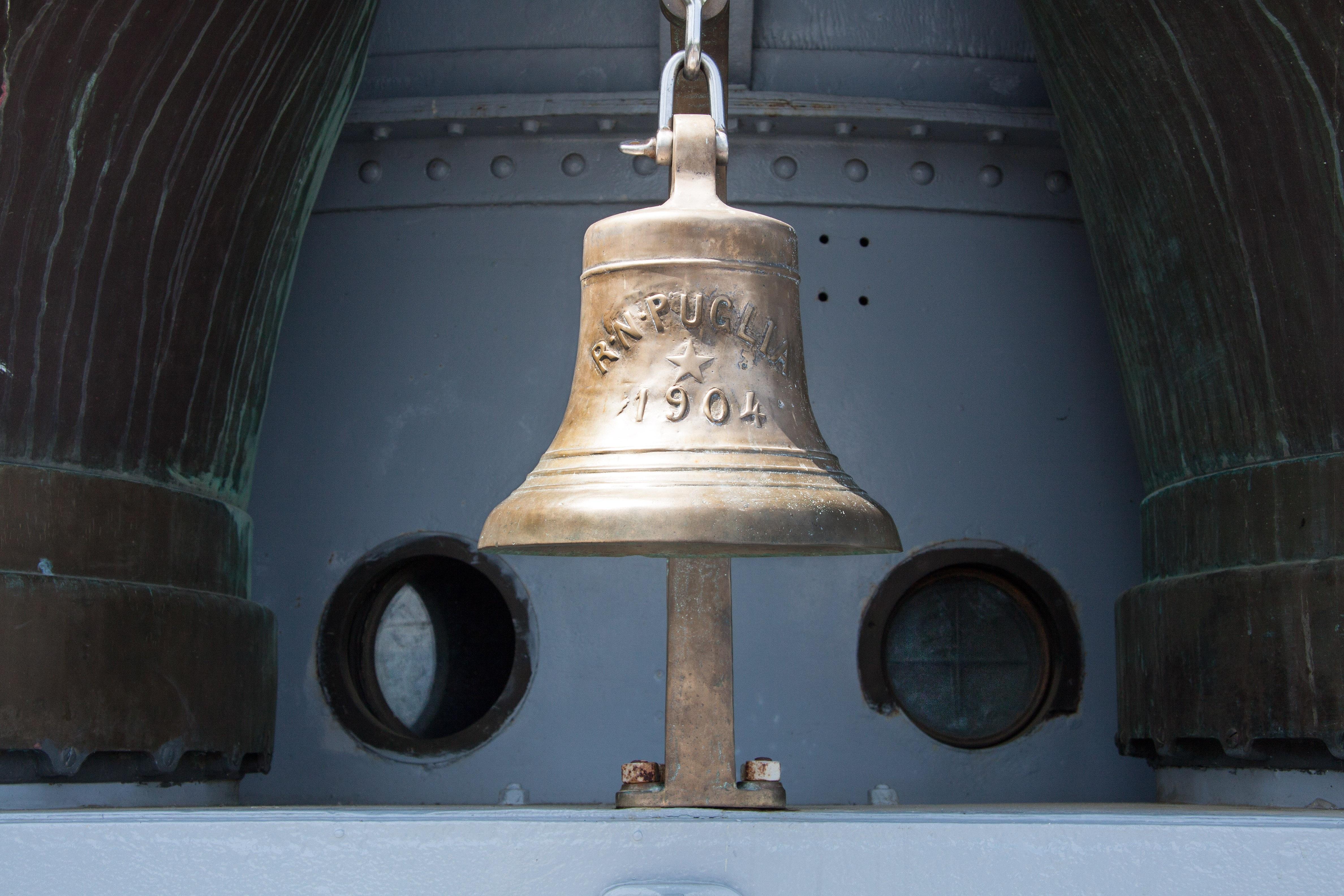 Картинки корабельного колокола