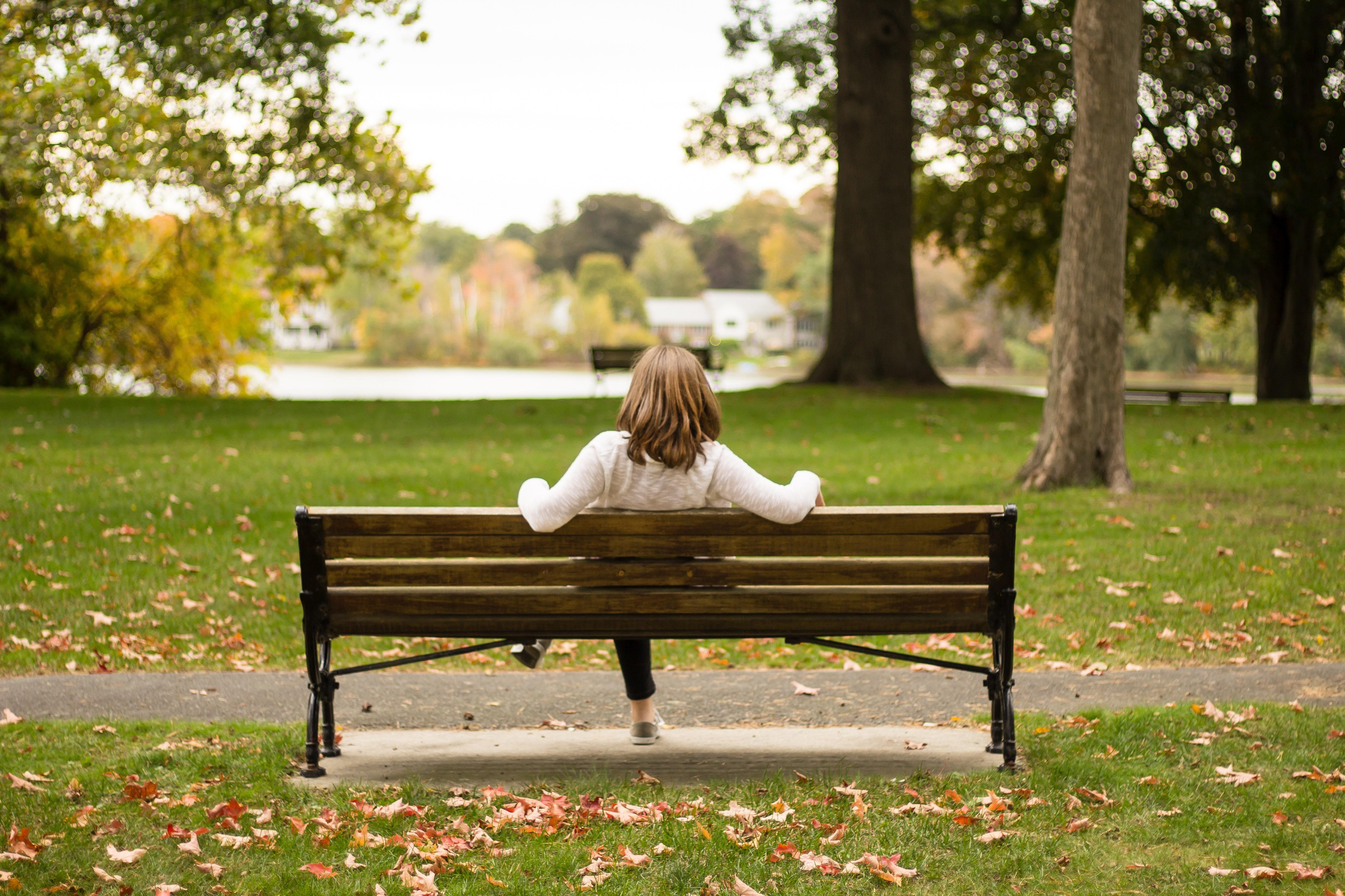 несколько люди сидят на скамейке картинки стыковке