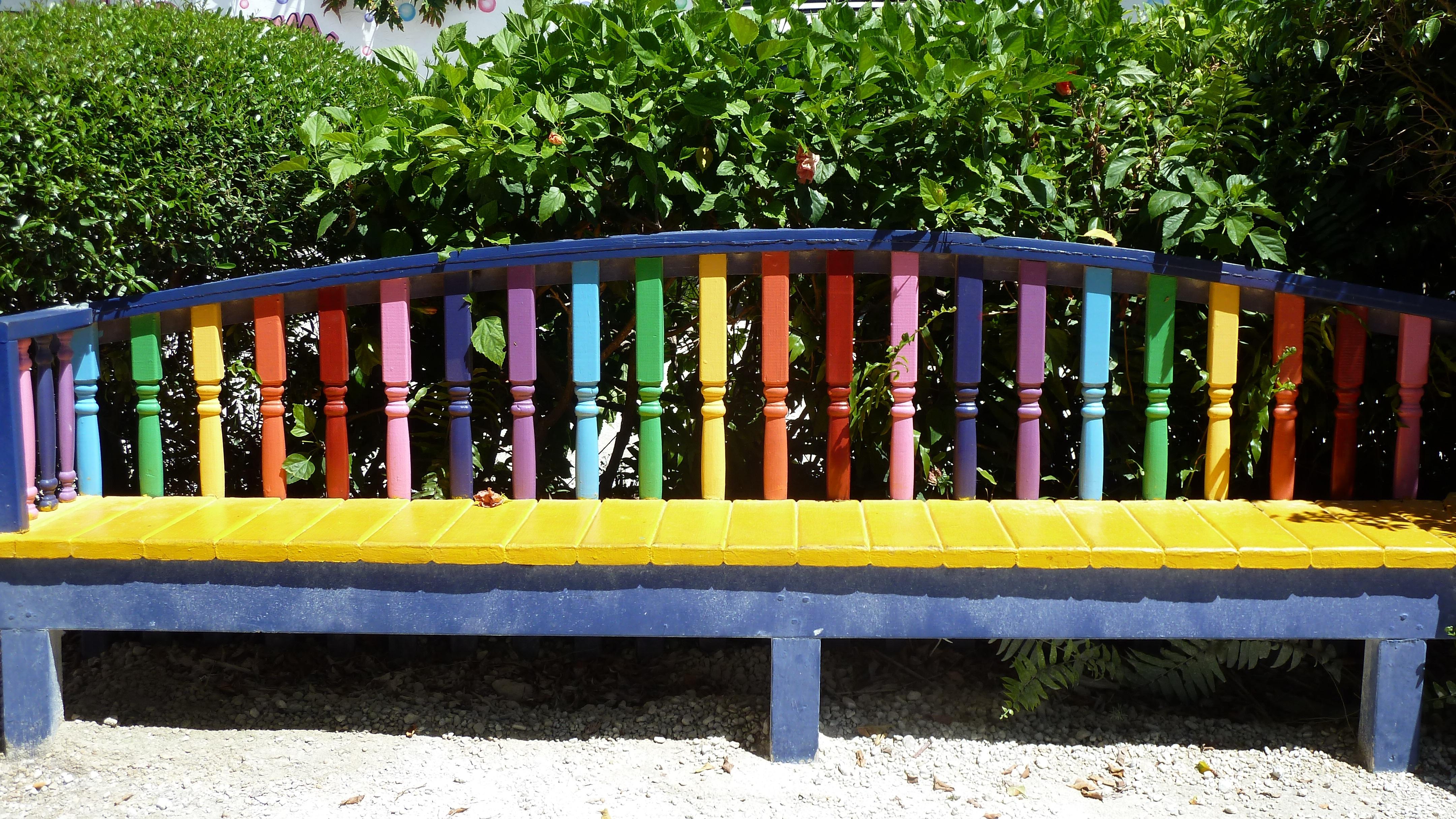 Fotos gratis : banco, jugar, asiento, ciudad, vistoso, patio ...