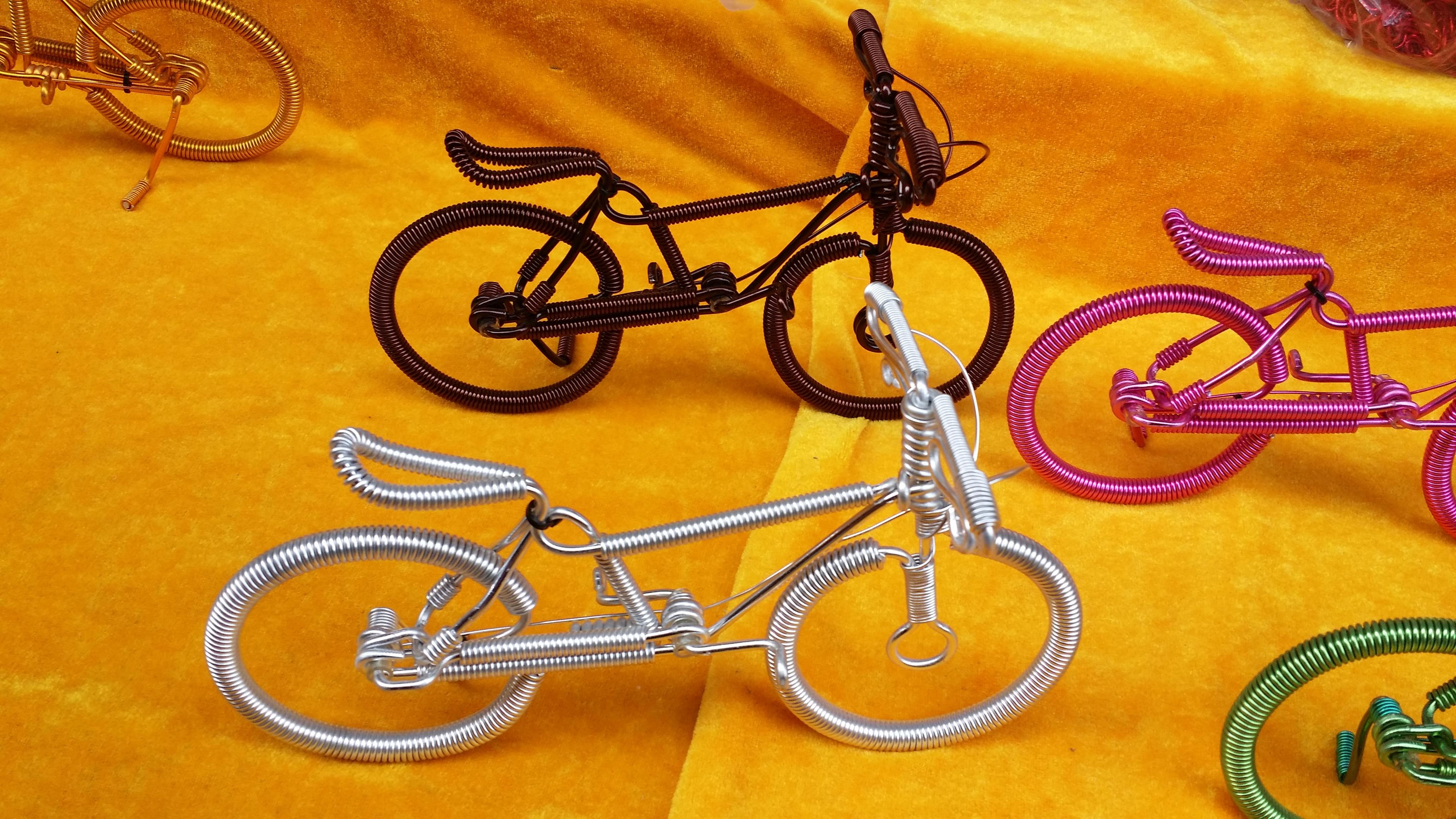 Fotos gratis : bicicleta, vehículo, equipo deportivo, fuente, art ...