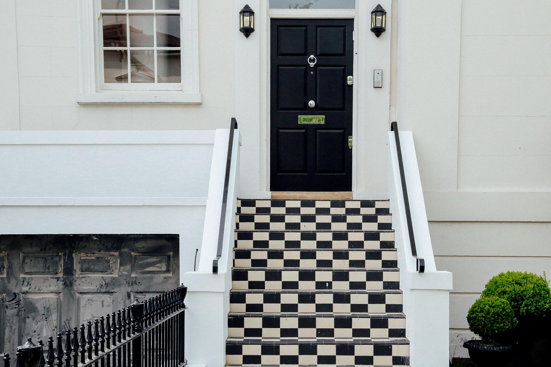 Images gratuites noir et blanc architecture maison for Fenetre noir interieur