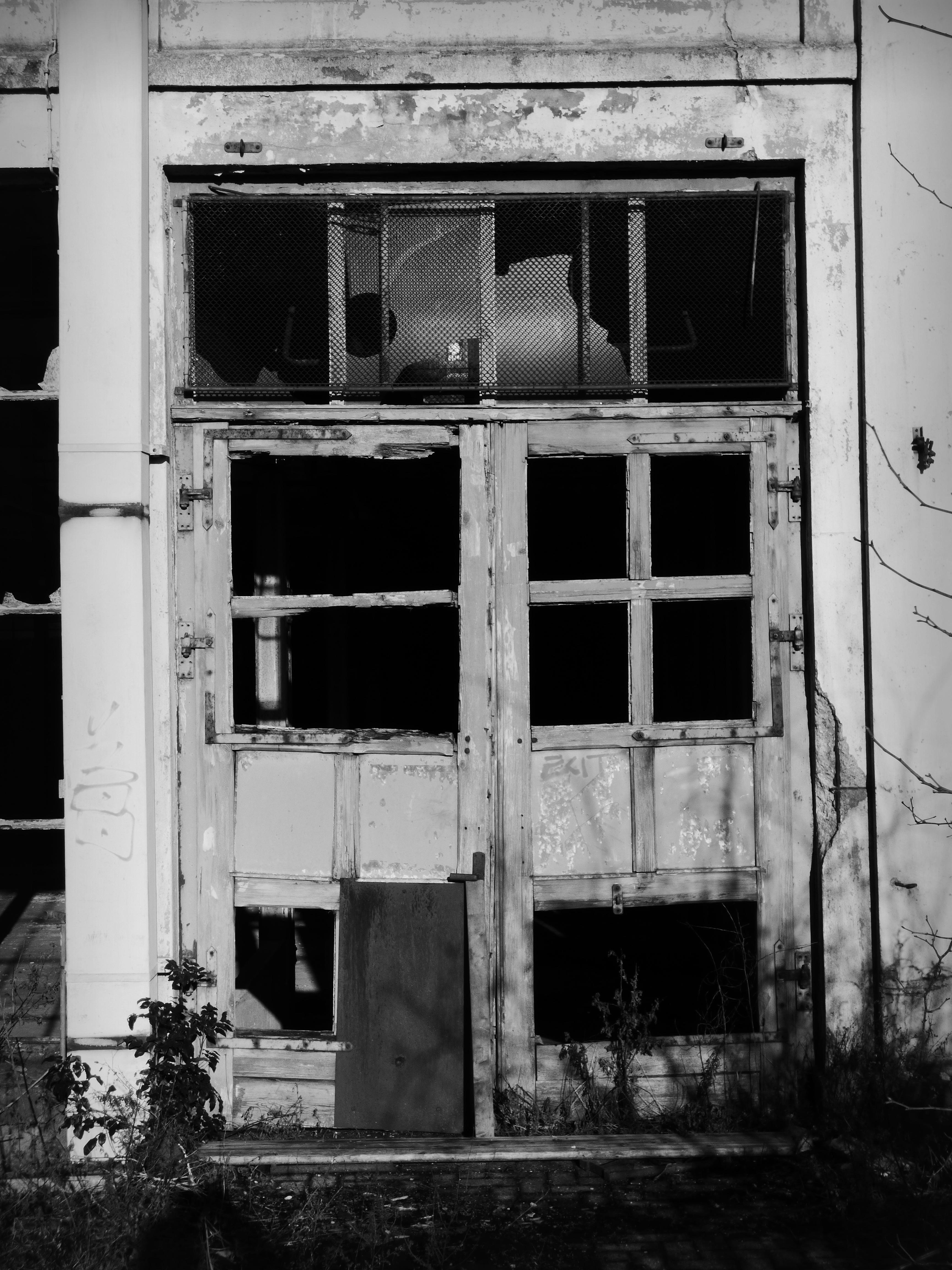 Images gratuites noir et blanc architecture maison for Fenetre noir et blanc
