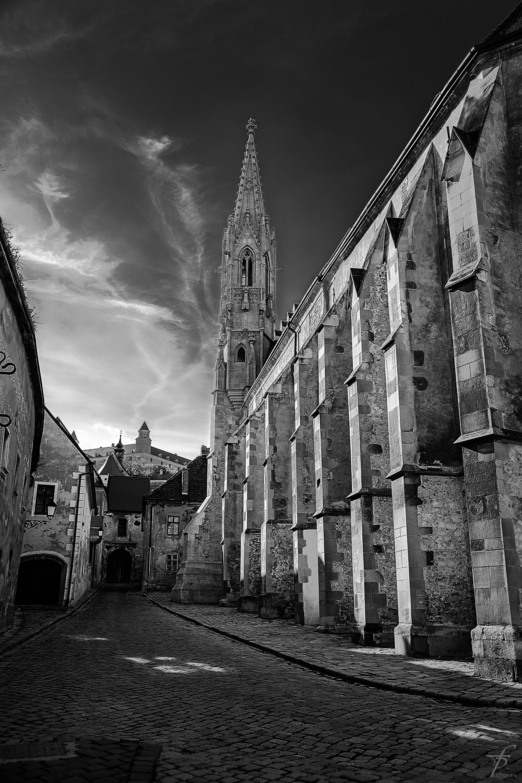 Черно-белые картинки старого города