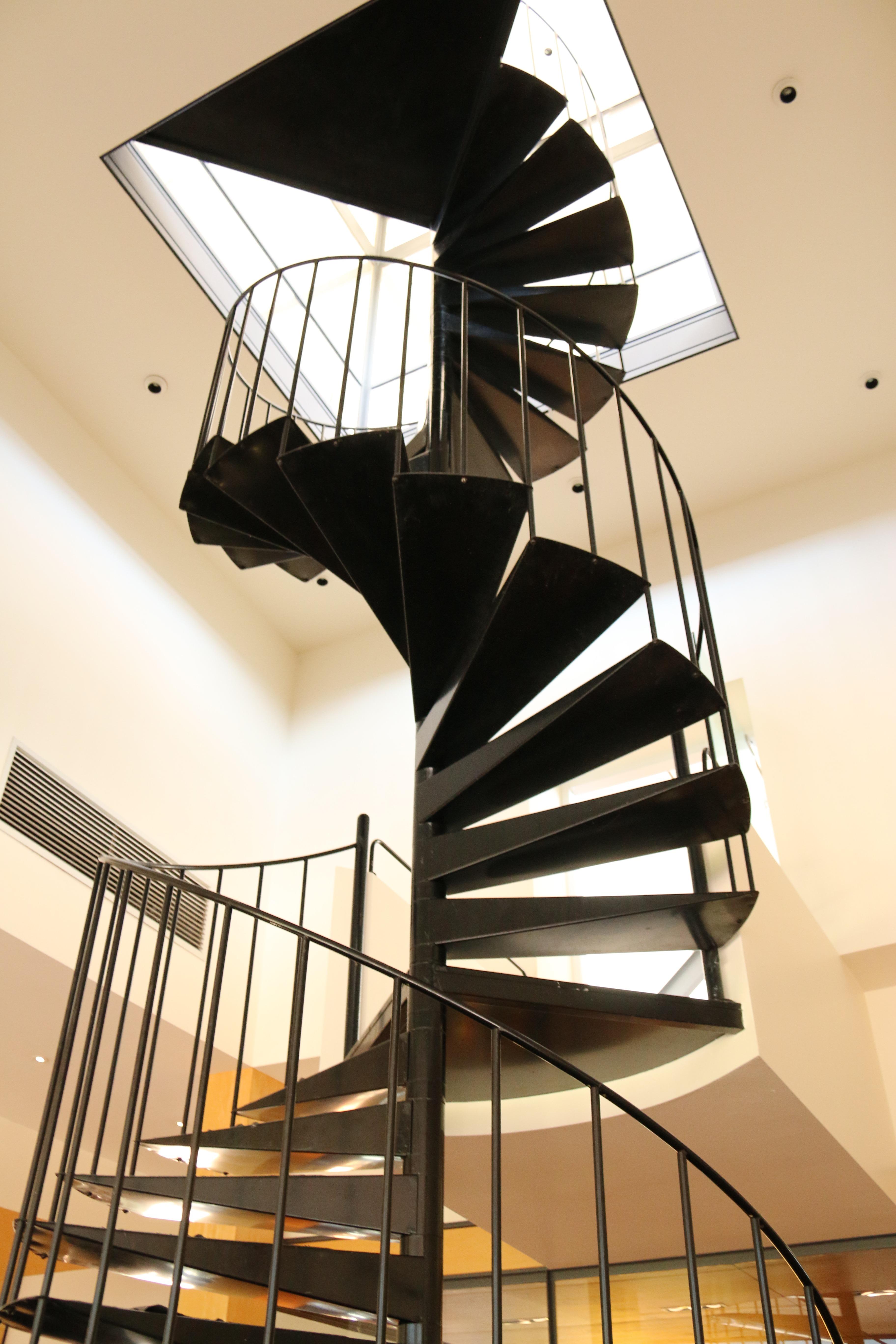 images gratuites noir et blanc architecture structure spirale pas plafond escalier en. Black Bedroom Furniture Sets. Home Design Ideas