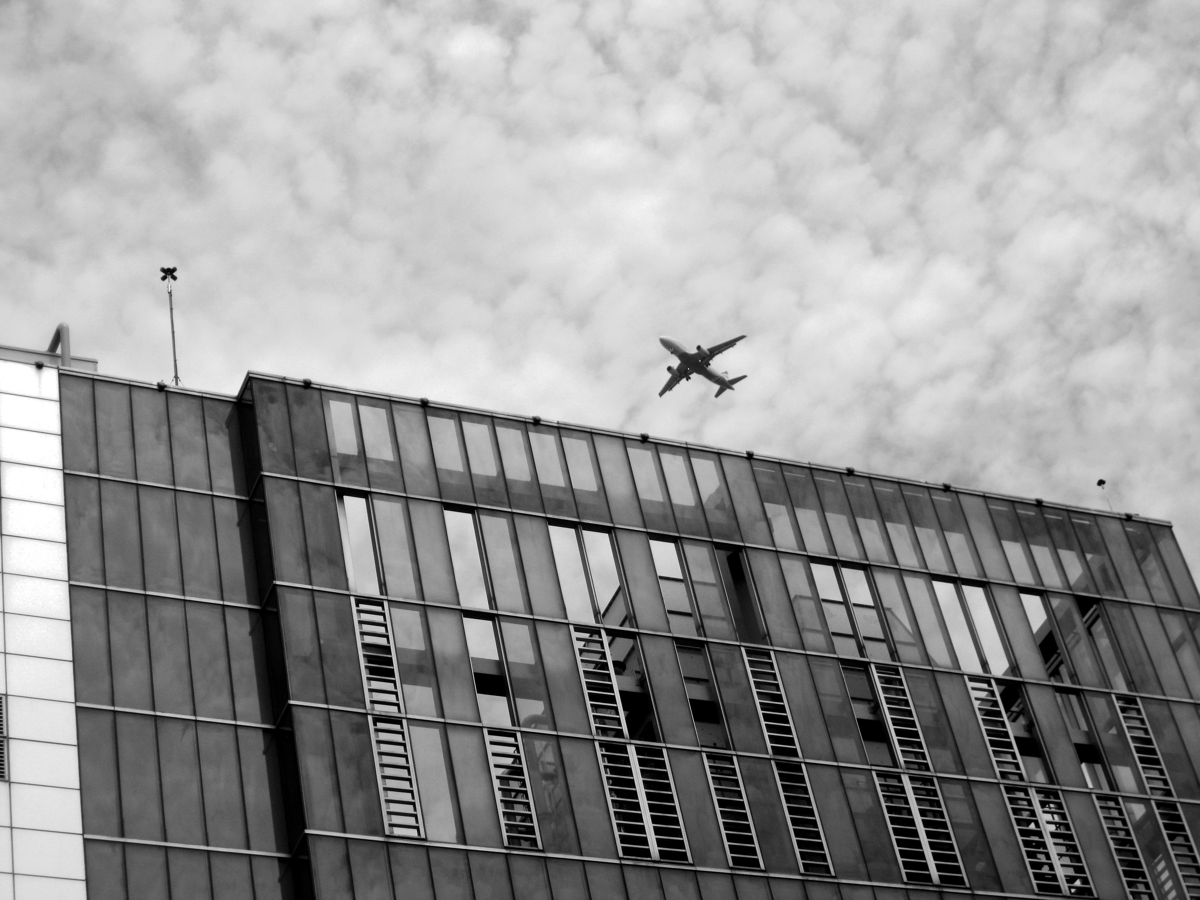 Fotos gratis en blanco y negro arquitectura techo for Arquitectura en linea gratis