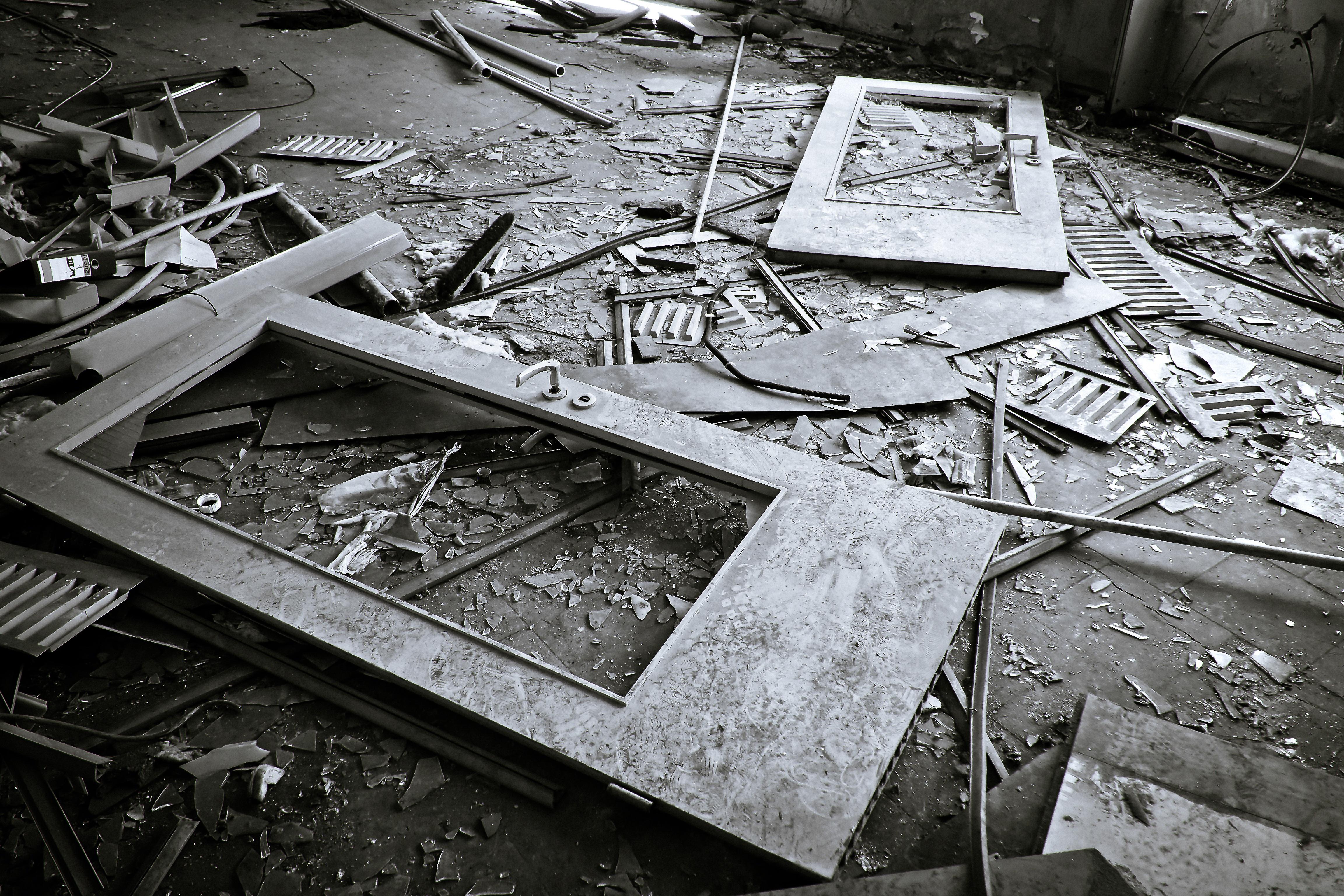 Kostenlose Foto : Schwarz Und Weiß, Die Architektur, Holz, Fenster, Alt,  Atmosphäre, Dunkel, Gebrochen, Büro, Industrie, Zerfallen, Ruine, Möbel,  Einfarbig, ...