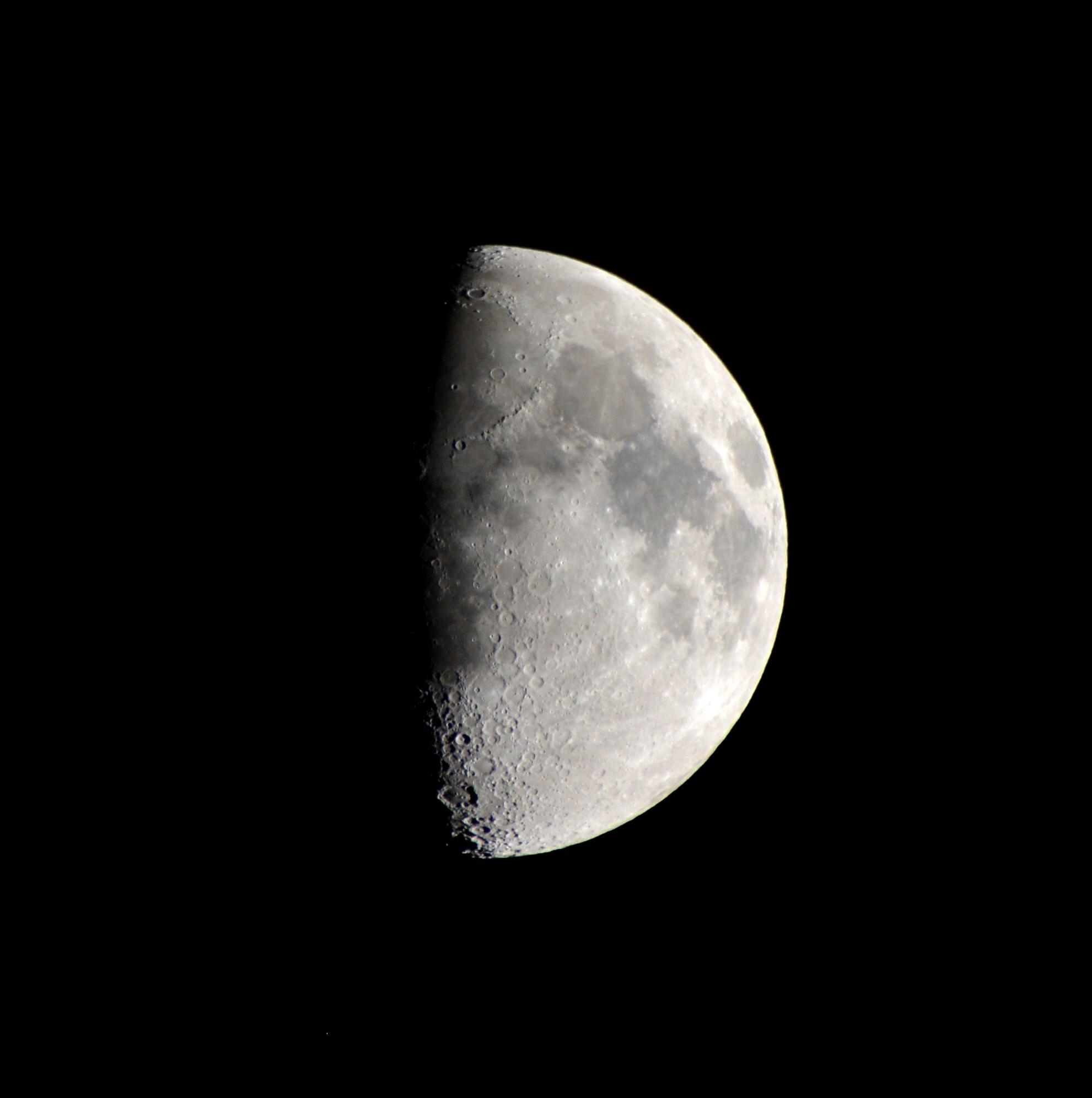 Gambar Hitam Dan Putih Suasana Satu Warna Lingkaran Bulan