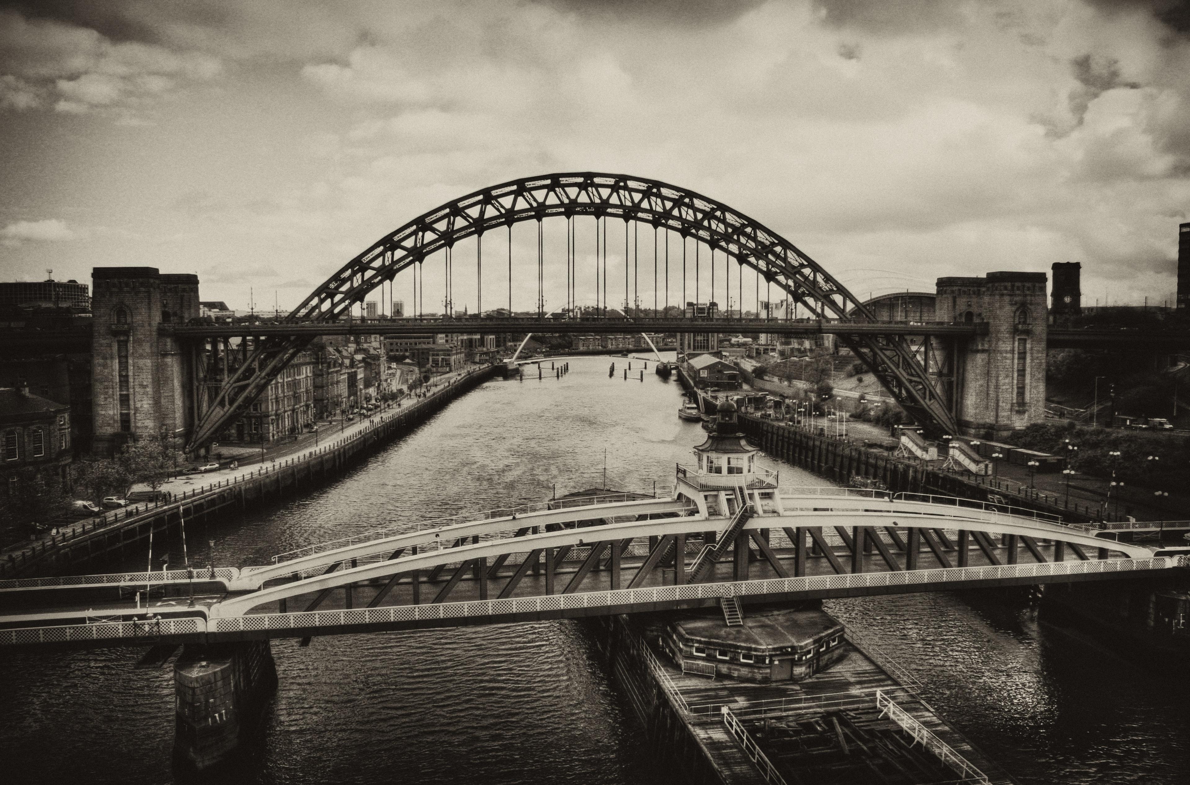 Черно-белое фото мост картинки