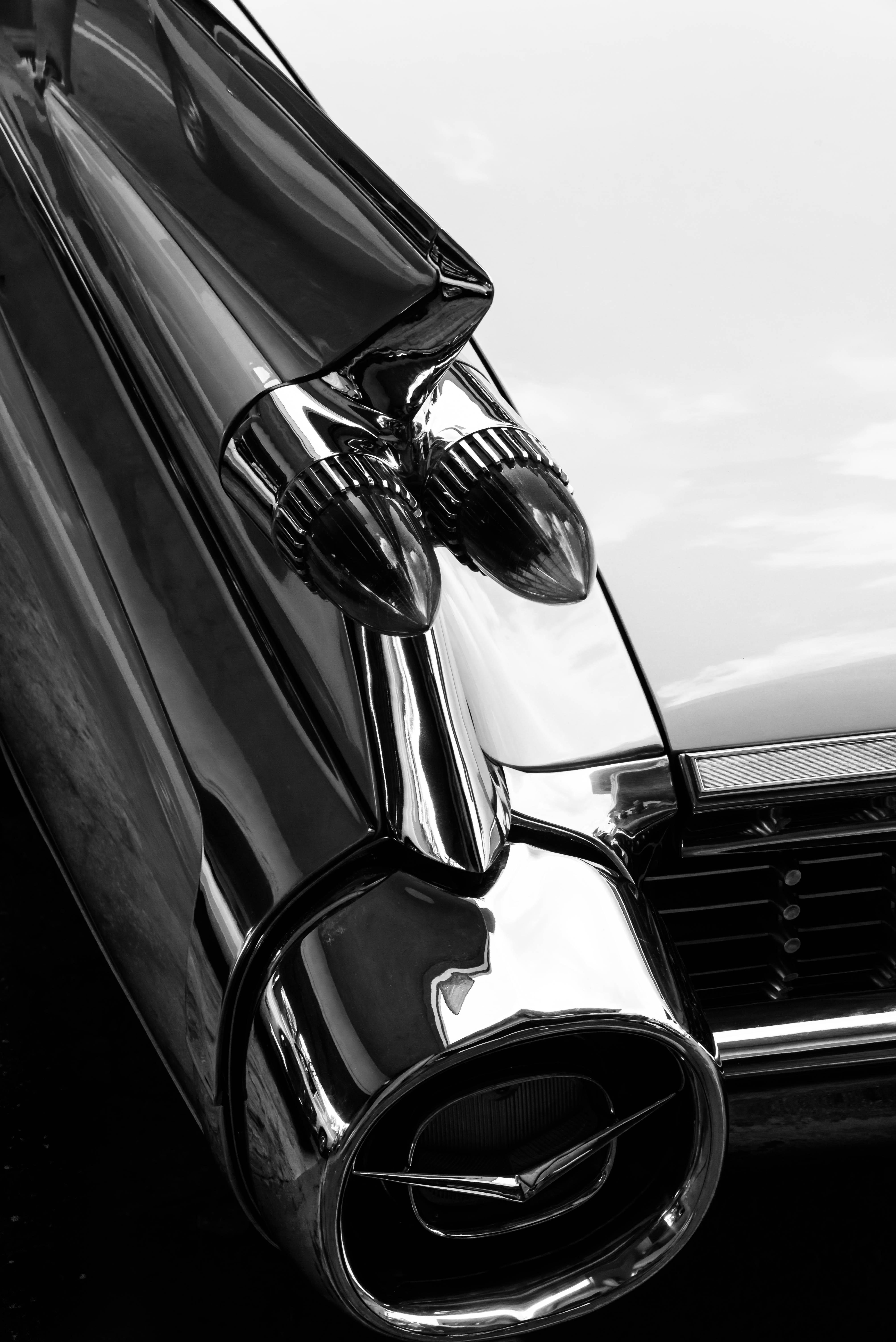 Free black and white wheel show nikon vintage car