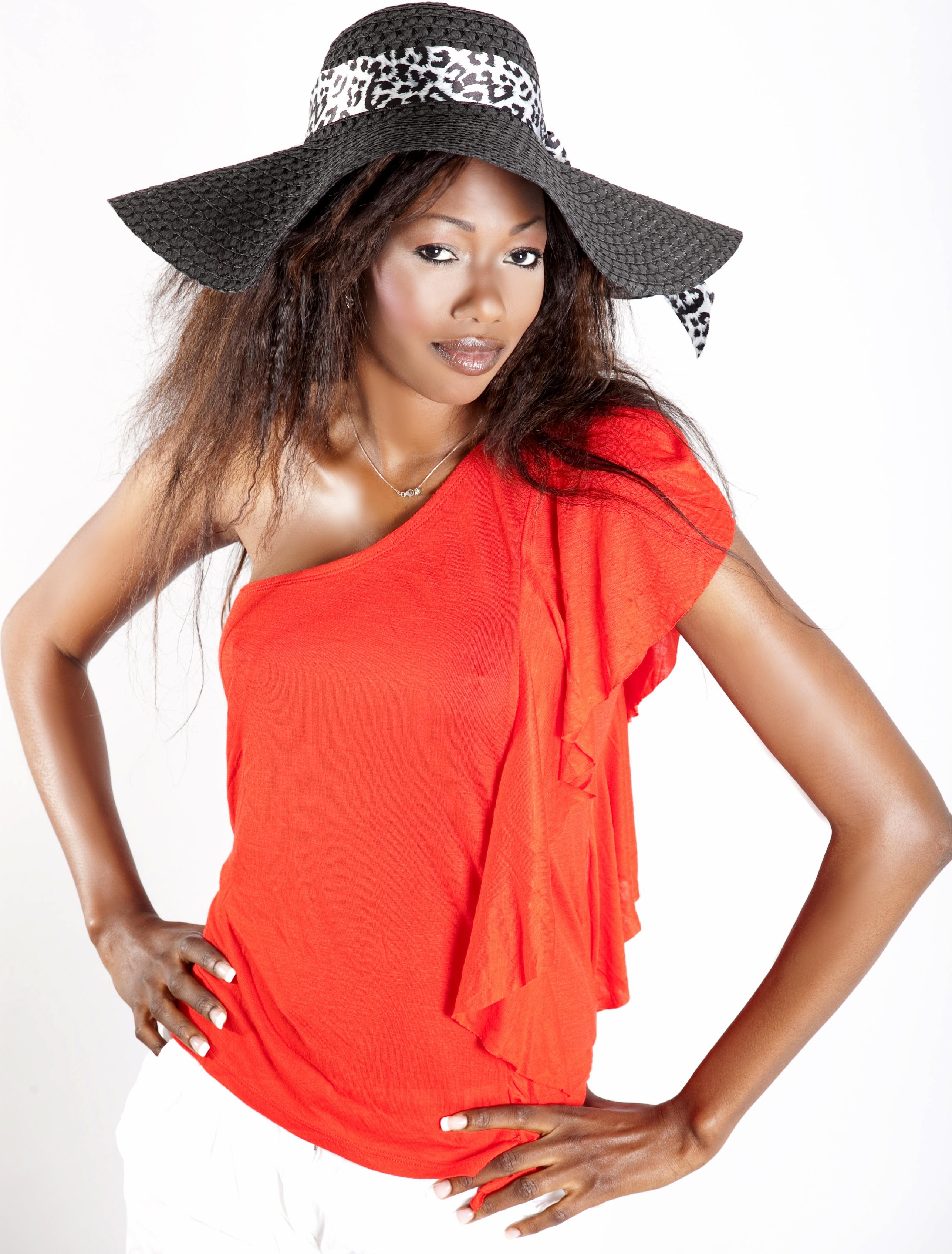 Images Gratuites : noir et blanc, fille, femelle, portrait, chapeau, Vêtements d'extérieur, visage, beauté, sexy, agréable, style, Caraïbes, jeune femme, ...
