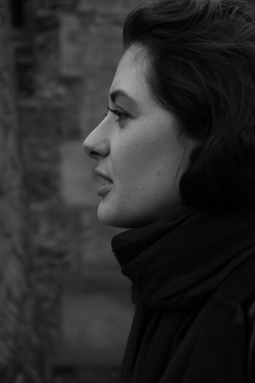 Fotoğraf Siyah Ve Beyaz Kız Paris Profil Portre Model